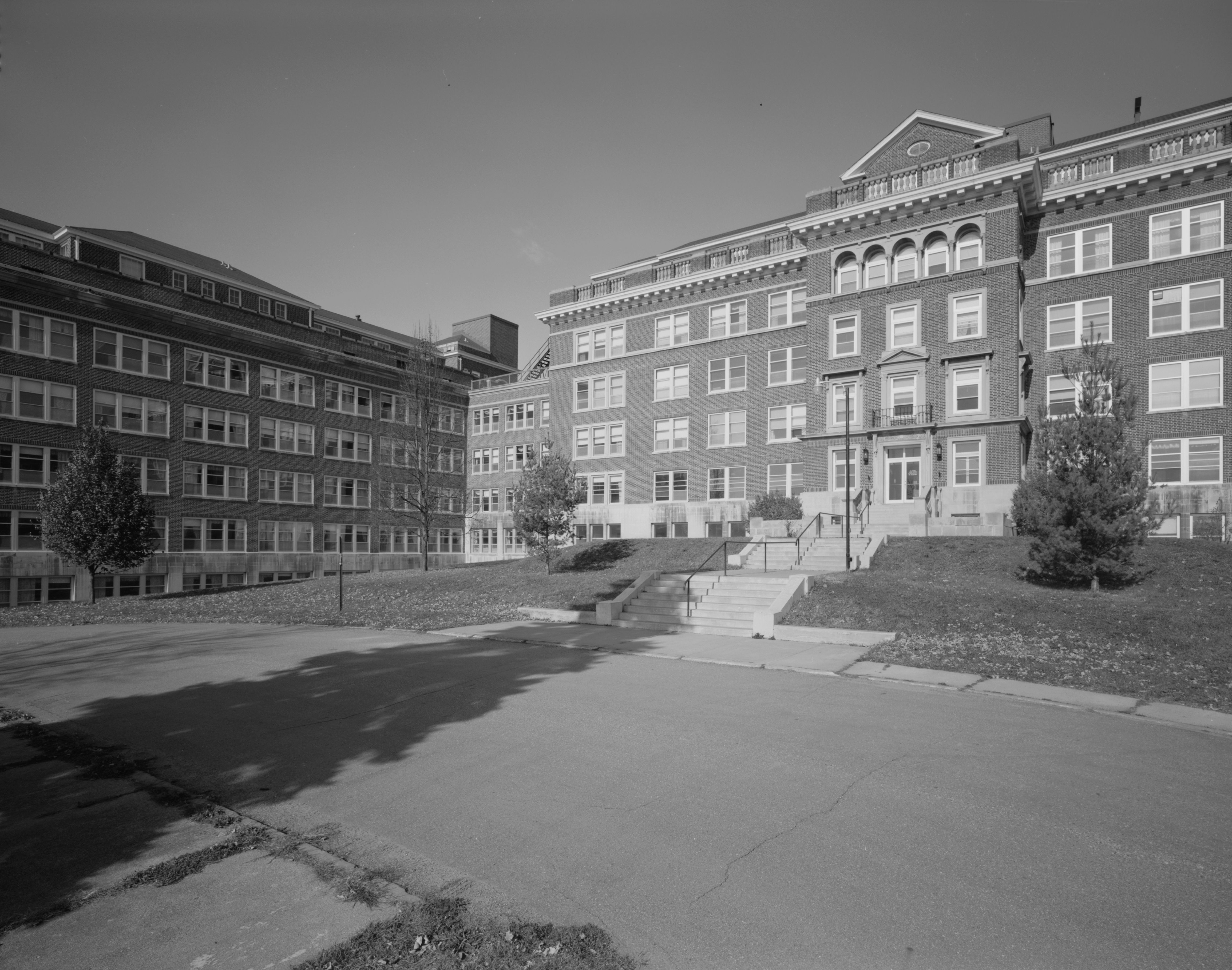 Abandoned Sanatorium Salve Mater in Belgium by Photographer Mooi ...