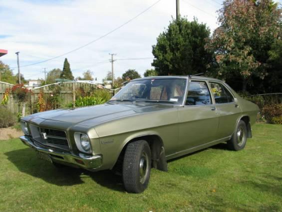 Holden_Kingswood_(1971-1974_HQ_series)_01.jpg
