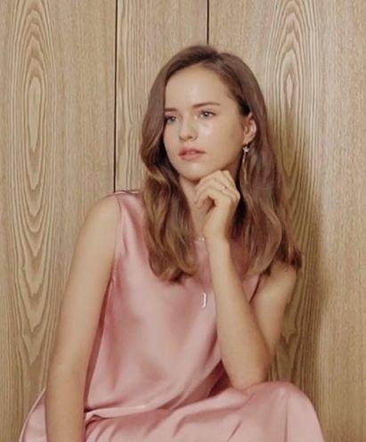 "Kristina Pimenova ""Be a Joelle"" 01"