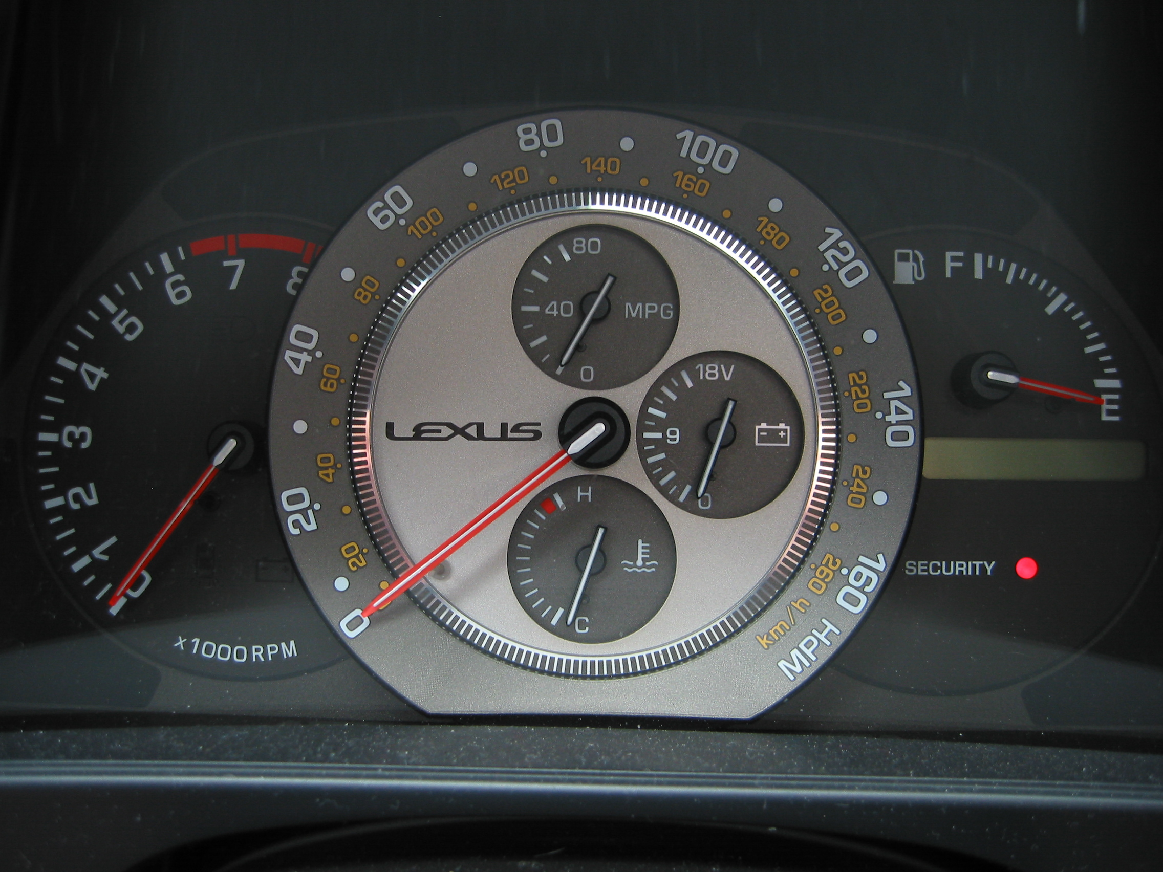 File Lexus Is 300 Instrument Cluster Jpg Wikimedia Commons