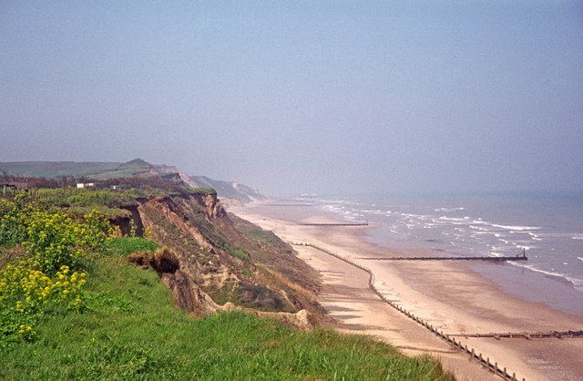 Looking towards Cromer from Overstrand, Norfolk - geograph.org.uk - 668413