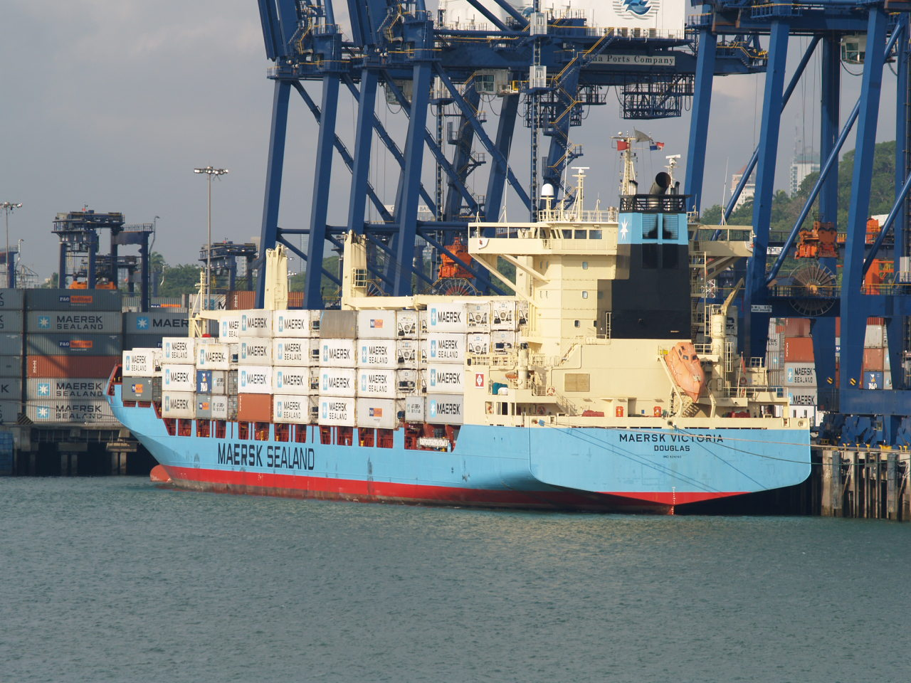 File:Maersk victoria container ship jpg - Wikimedia Commons