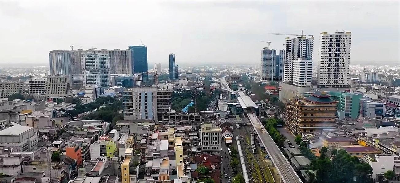 Medan merupakan kota terbesar di pulau Sumatera dan merupakan salah satu kota terbesar di Indonesia