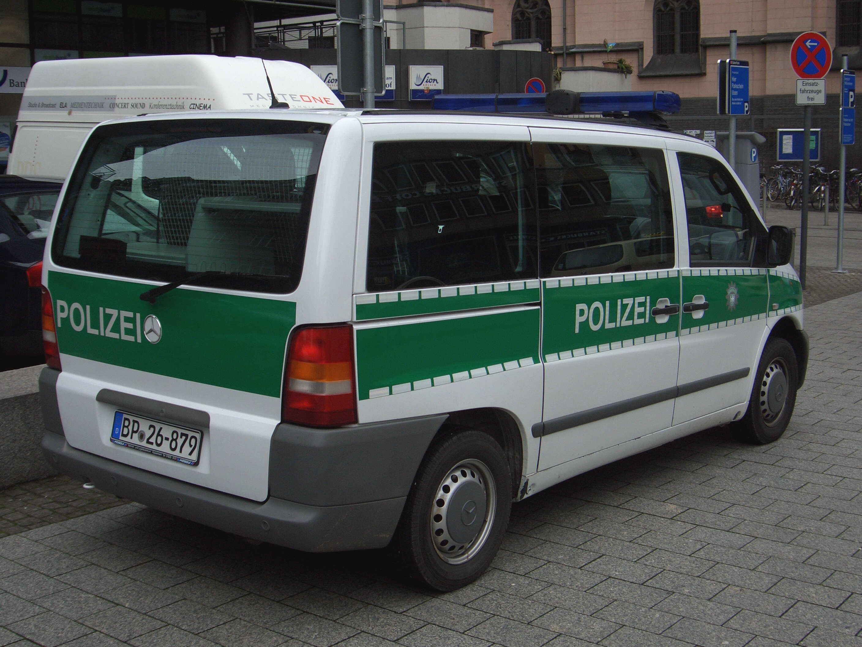 655a516f04 File Mercedes-Benz Vito Gen1 W638 1996 2003 Bundespolizei Germany backright  2008-03-27 A.jpg
