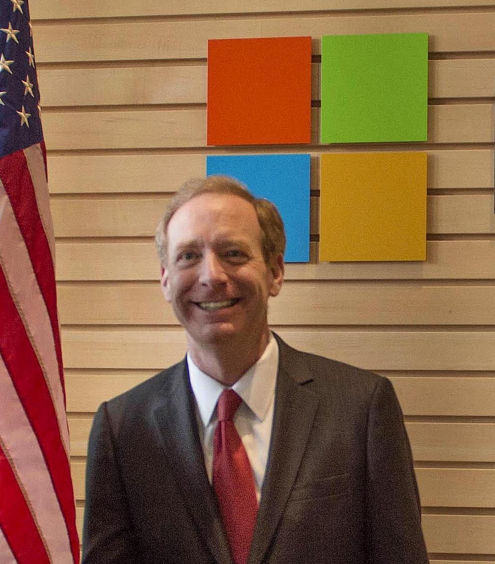 misterio en la nave del misterio - Página 2 Microsoft_President_Brad_Smith_in_Seattle%2C_March_3%2C_2016