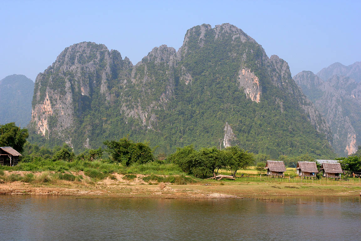 Description Nam Song River Vang Vieng Laos.jpg