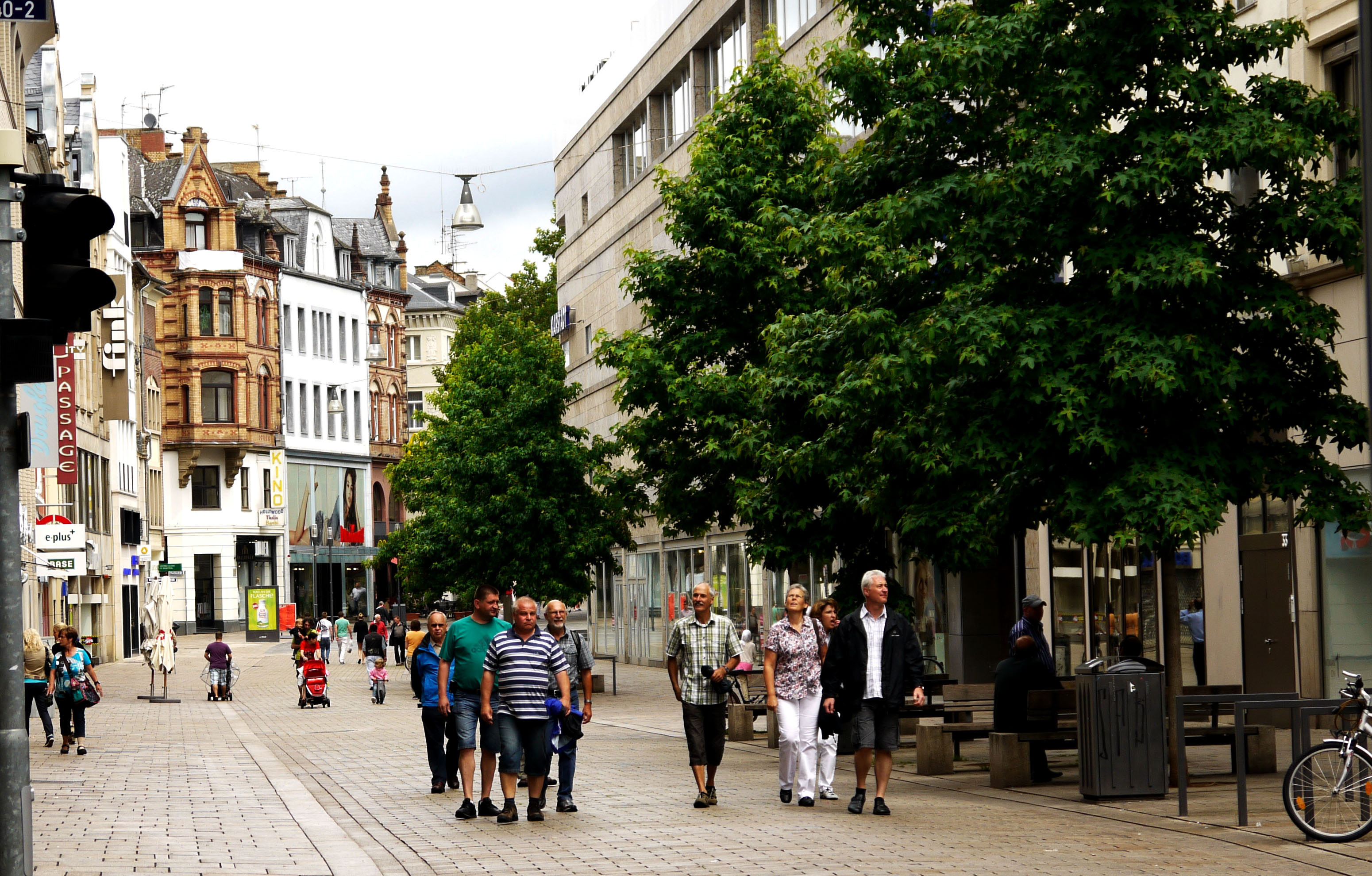 Walking along Vienna's redesigned Mariahilferstrasse – Vienncouver