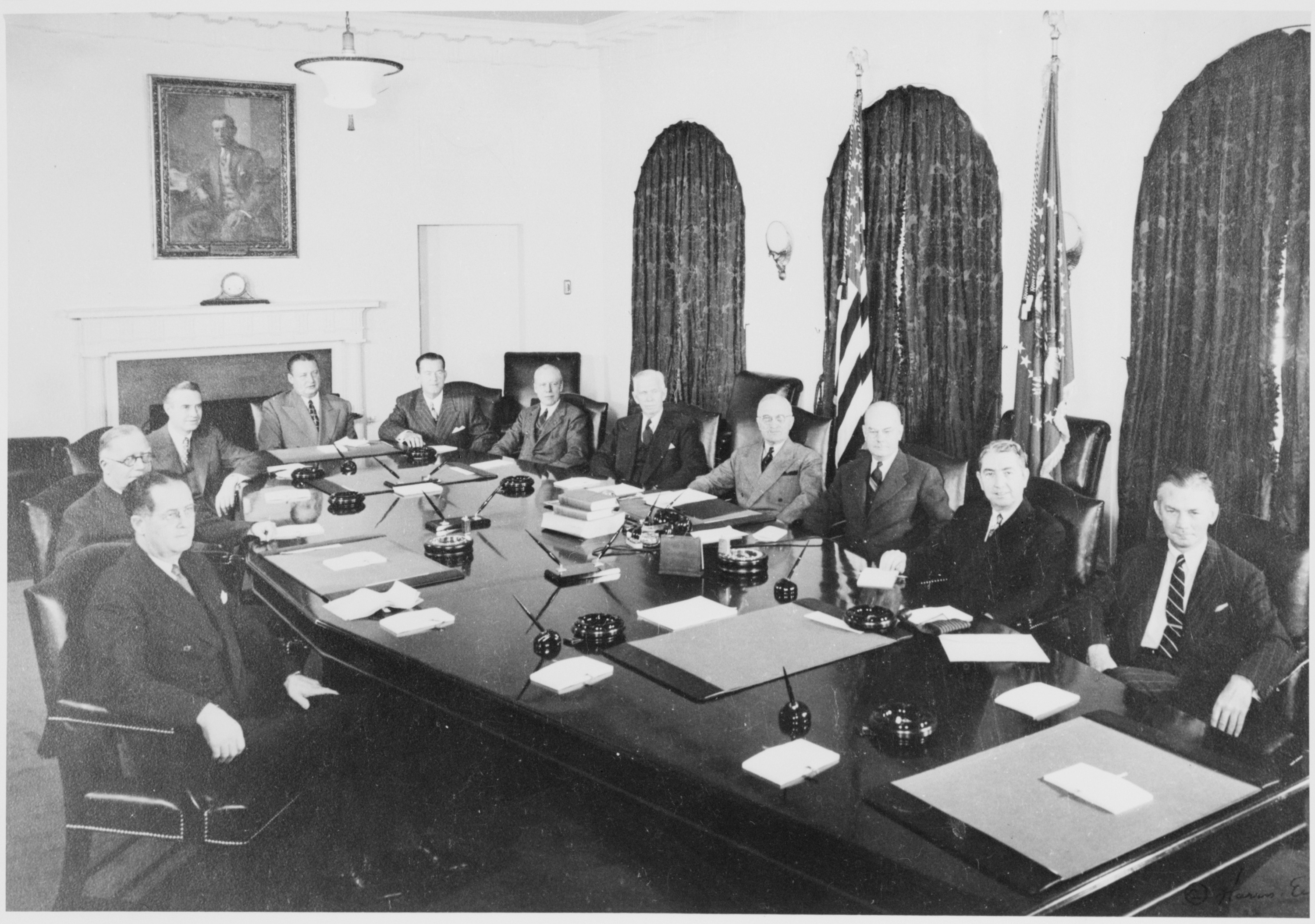 File:Photograph of President Truman with his Cabinet in the ...