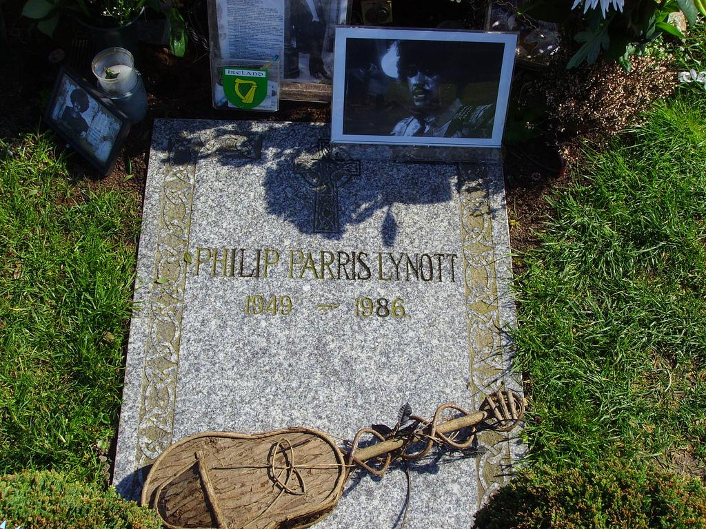 File:Resting place Philip Lynott.jpg - Wikimedia Commons