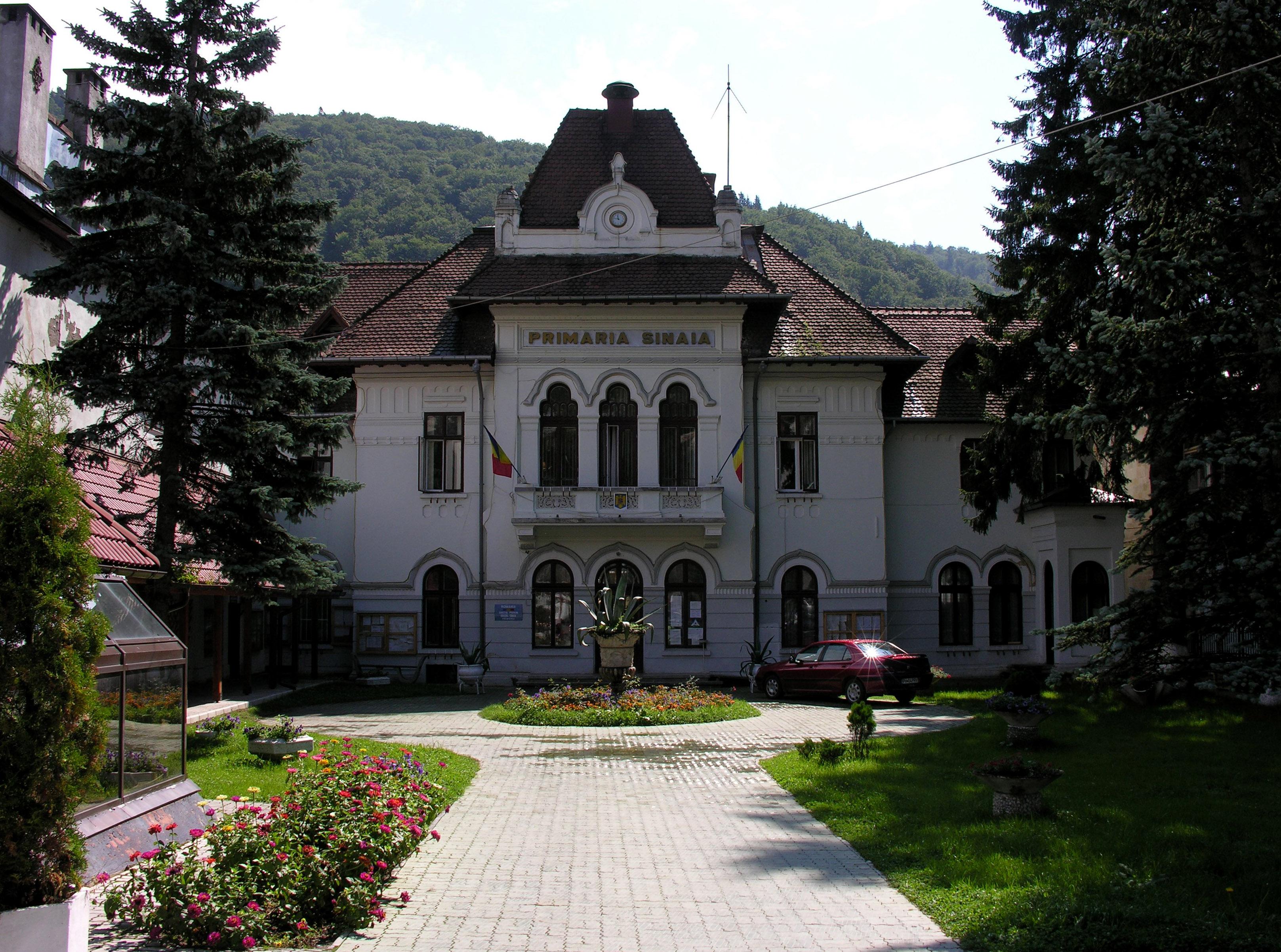 Sinaia Romania  city photos gallery : Romania Sinaia city hall Wikimedia Commons