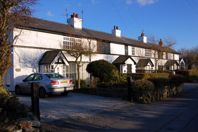 File:Row of Cottages at Stanah - geograph.org.uk - 130018.jpg