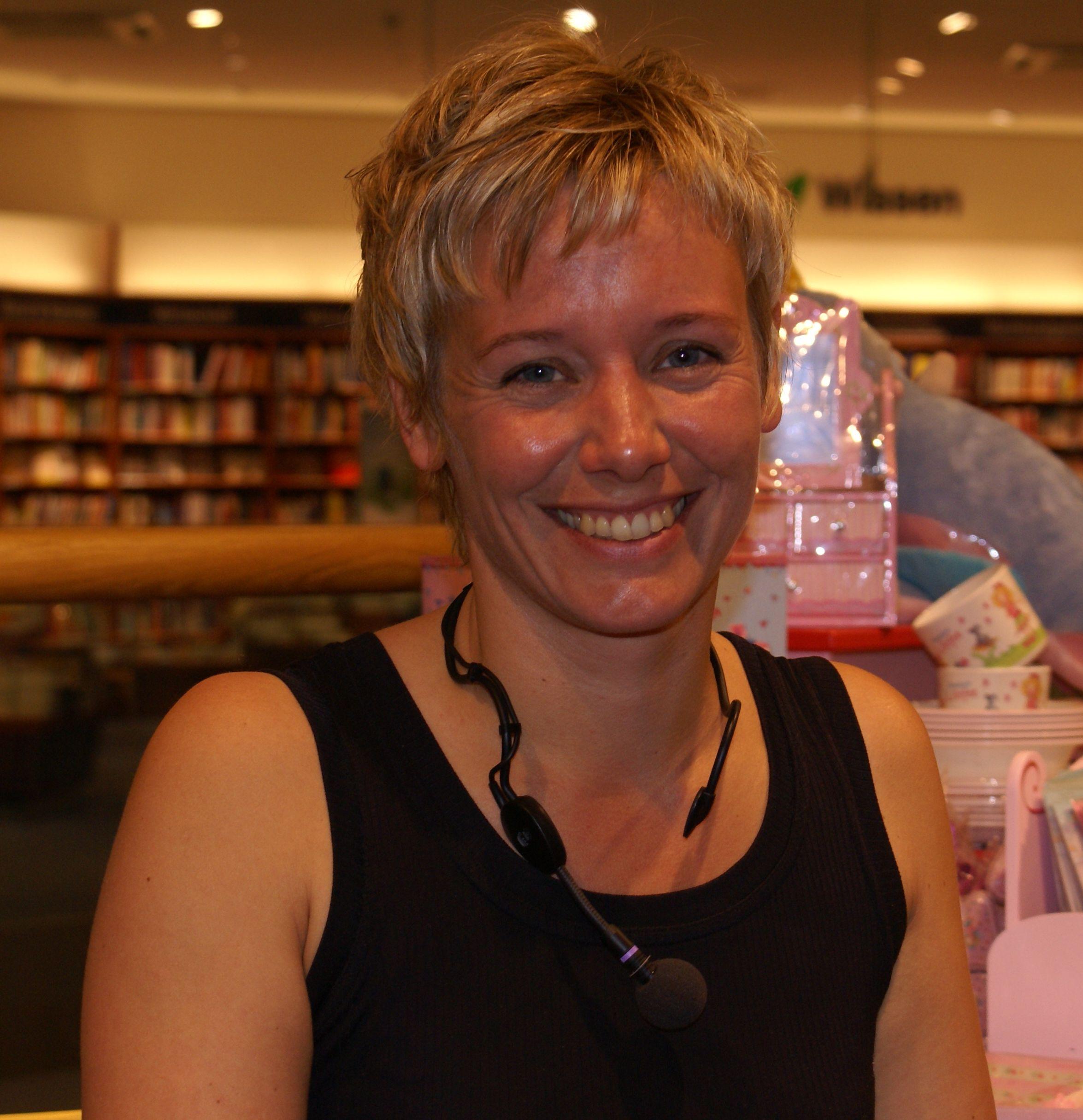 Sandra Lüpkes bei einer Lesung in Münster im Mai 2008