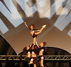 Competitive cheer - Paramount Cheerleaders doing a scale