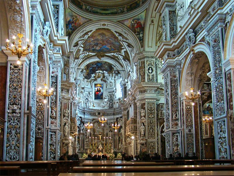 Intérieur de l'église baroque chiesa del Gesù à Palerme - Photo de Tango7174