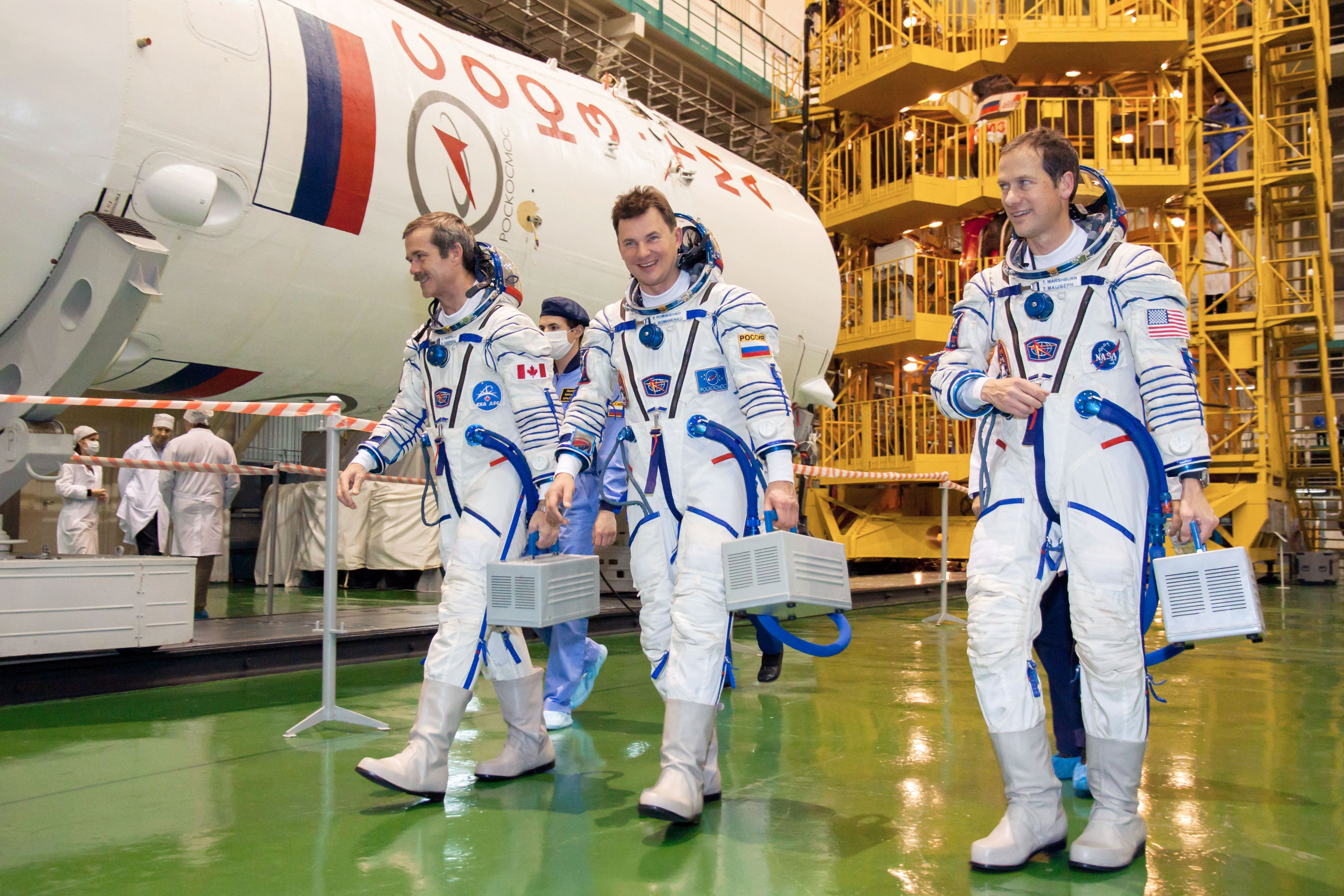 File:<b>Soyuz TMA</b>-<b>07M</b> crew during the 'fit check'.jpg - Wikimedia Commons
