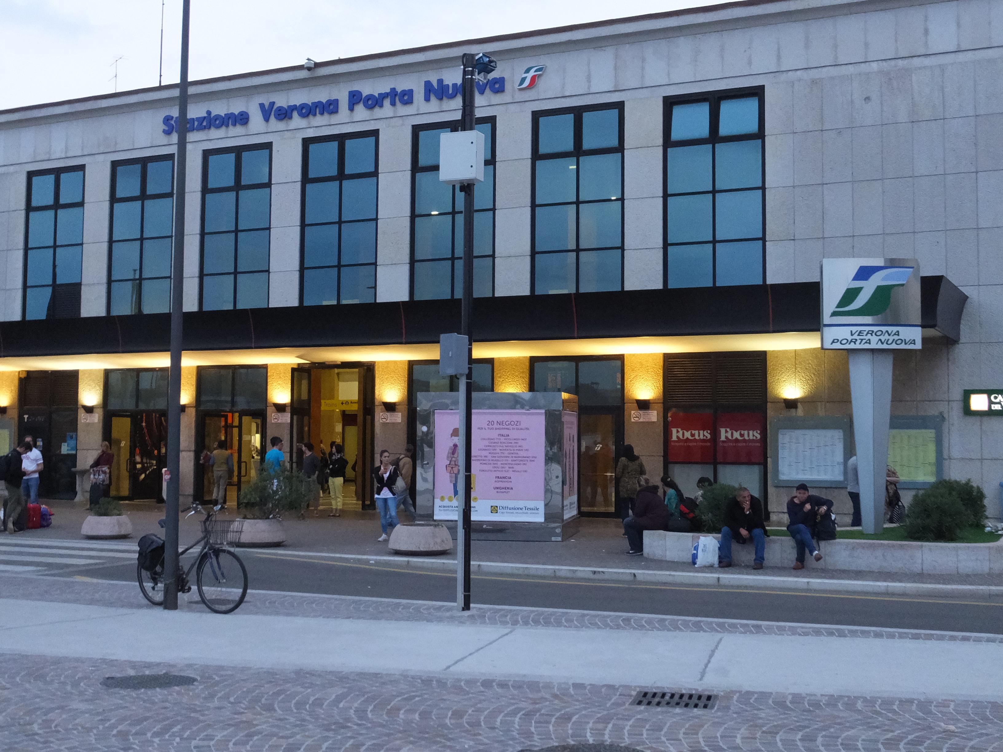 File stazione verona porta nuova - Mezzi pubblici verona porta nuova ...