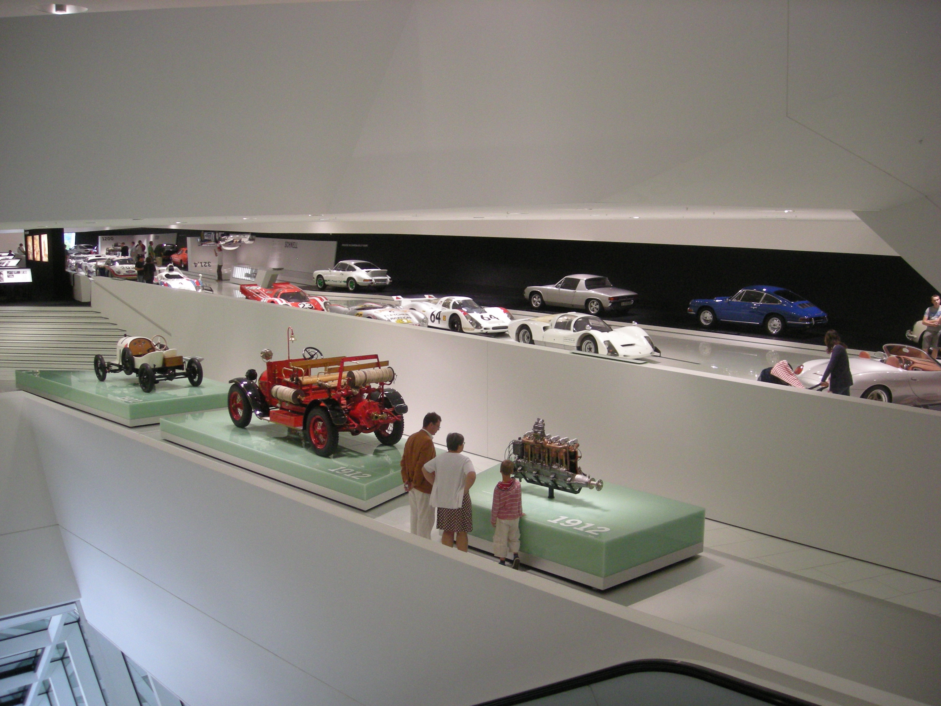 file stuttgart jul 2012 86 porsche museum jpg. Black Bedroom Furniture Sets. Home Design Ideas