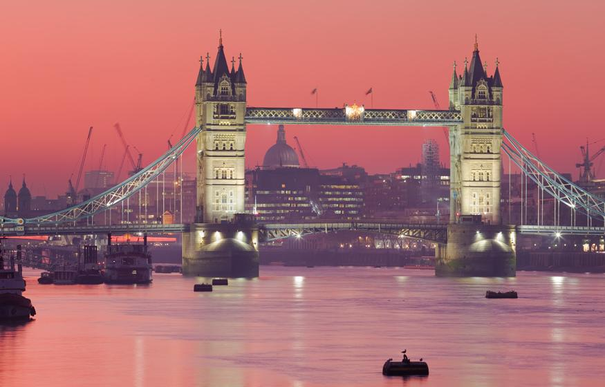 London bridge vacation destination for pregnant couples