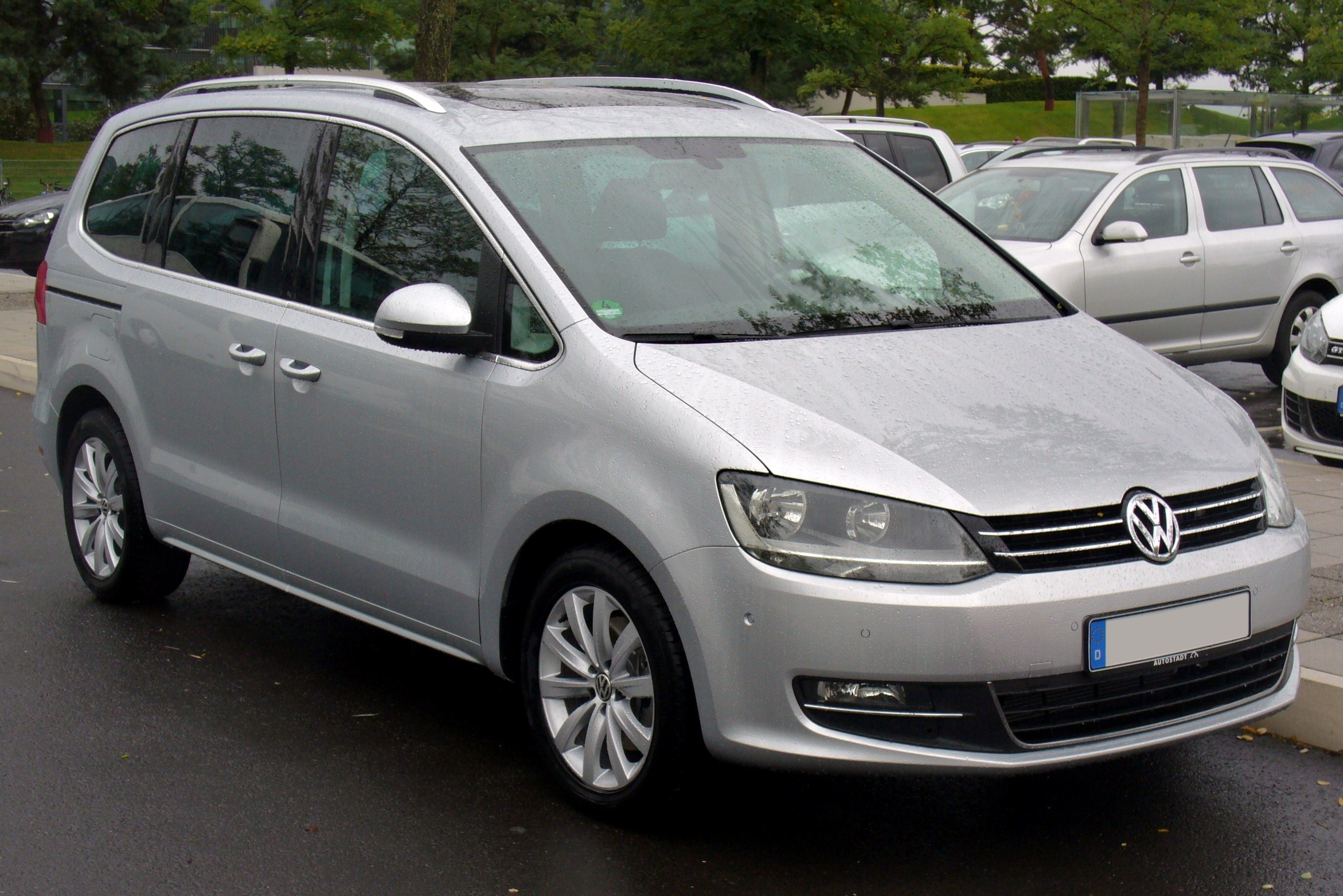 photo of Anatol Yusef Volkswagen Sharan - car
