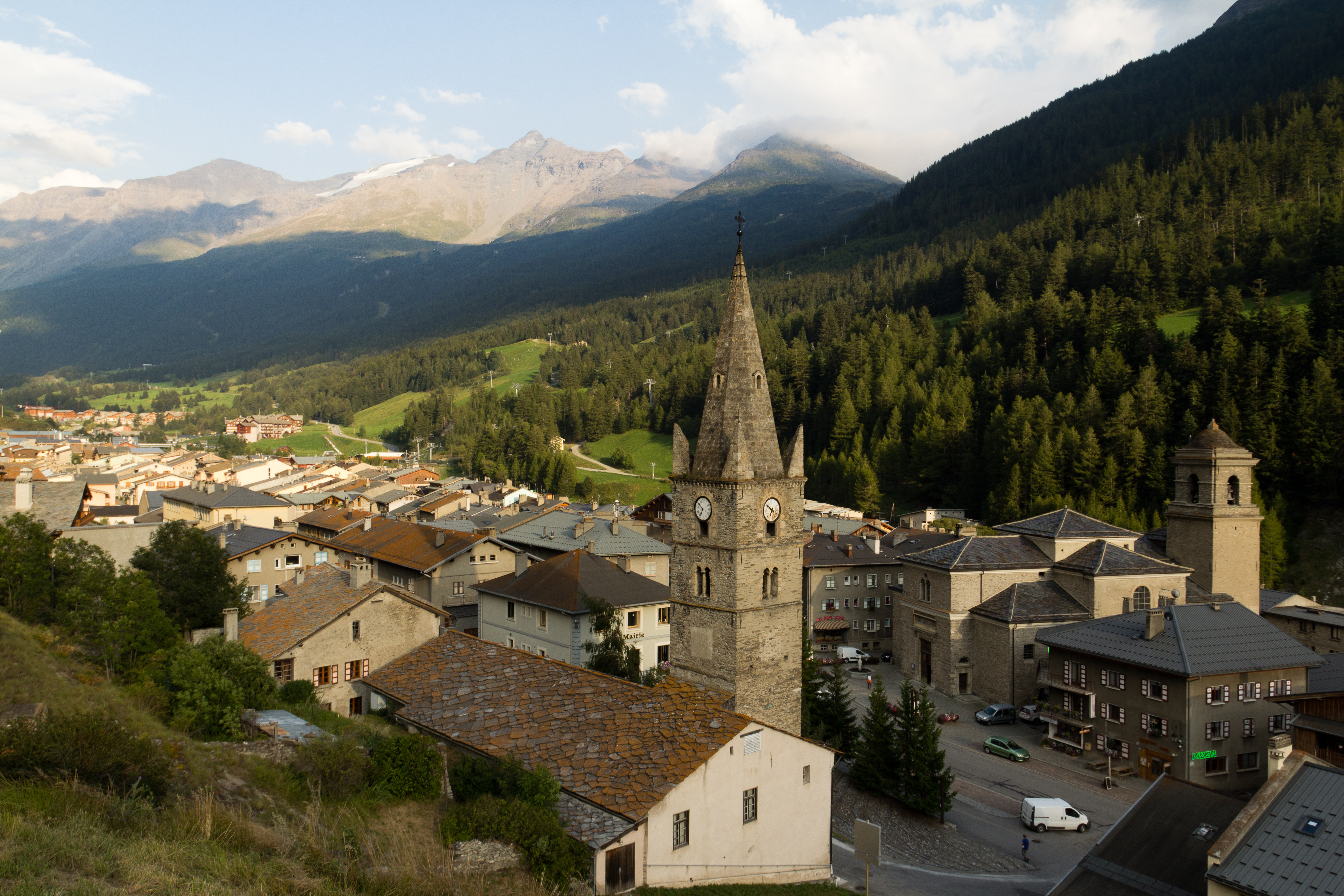 Lanslebourg France  city photos gallery : Description Vue de Lanslebourg Mont Cenis vers le Col du Mont Cenis ...