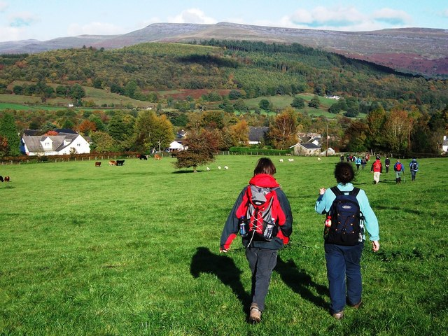 Walkers approaching Llangynidr - geograph.org.uk - 2174673