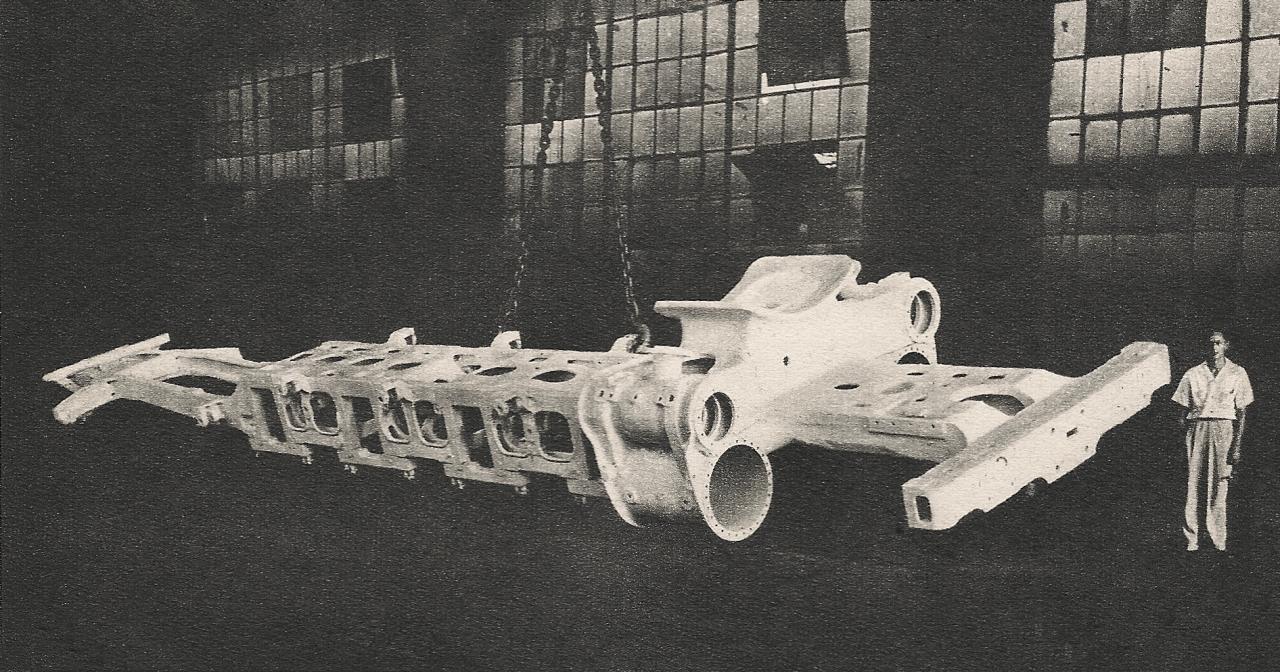 File:141-R locomotive one-piece cast steel frame.jpg - Wikimedia Commons