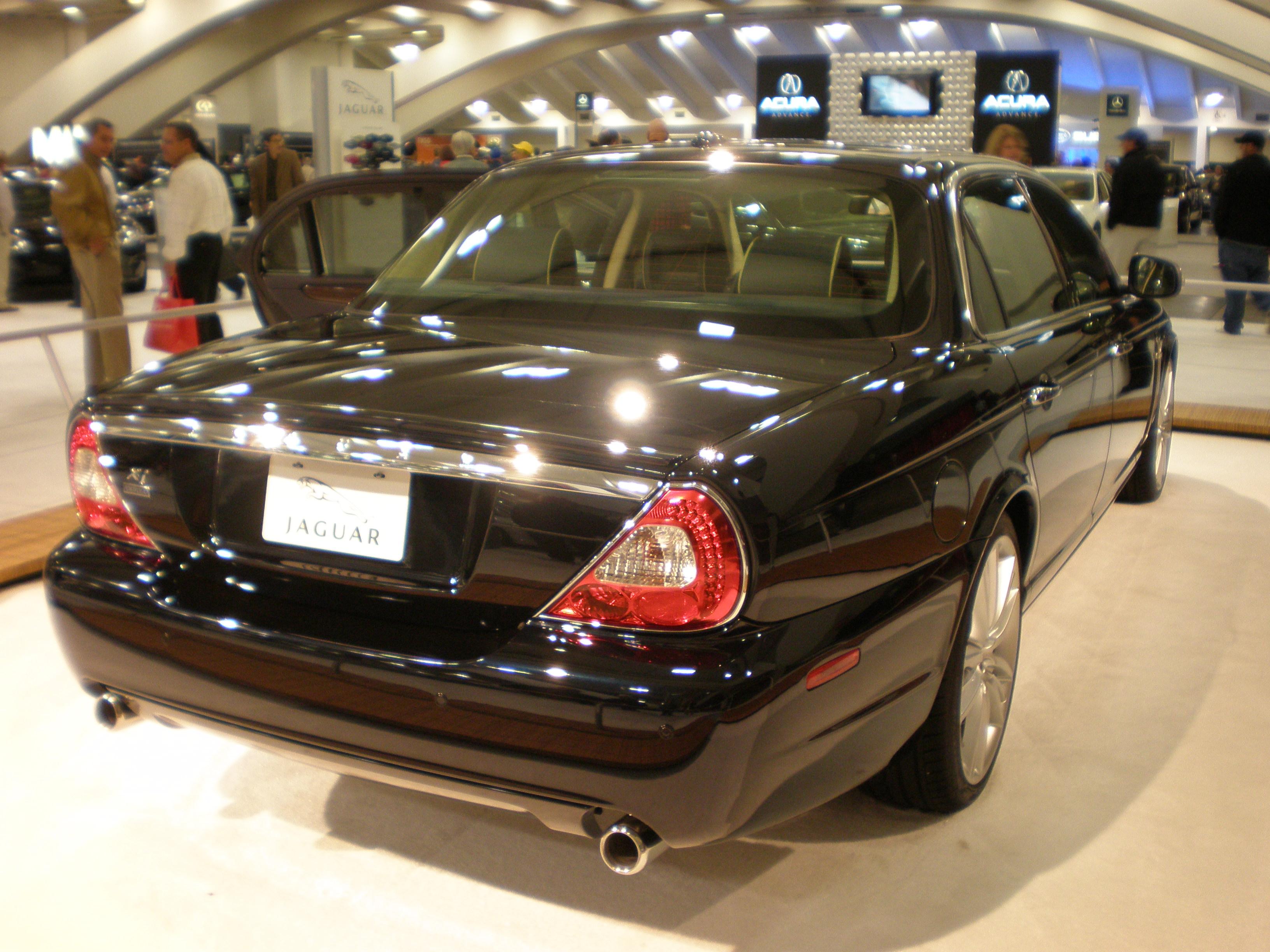 File:2009 Black Jaguar Super V8 Rear.JPG