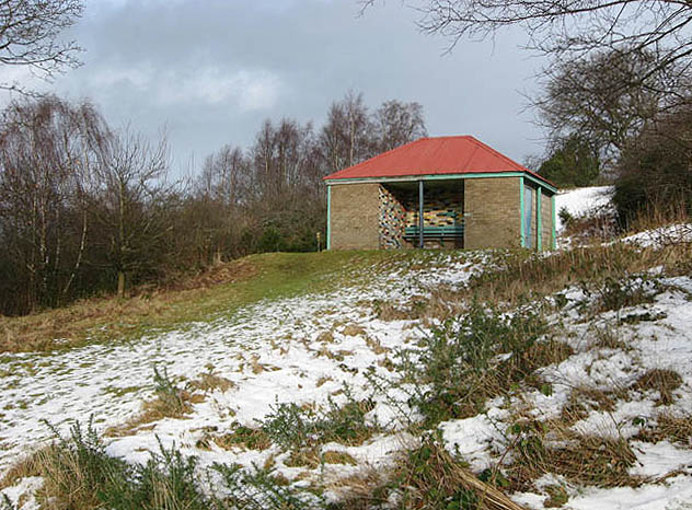 File:A shelter on Selkirk Hill - geograph.org.uk - 676766.jpg