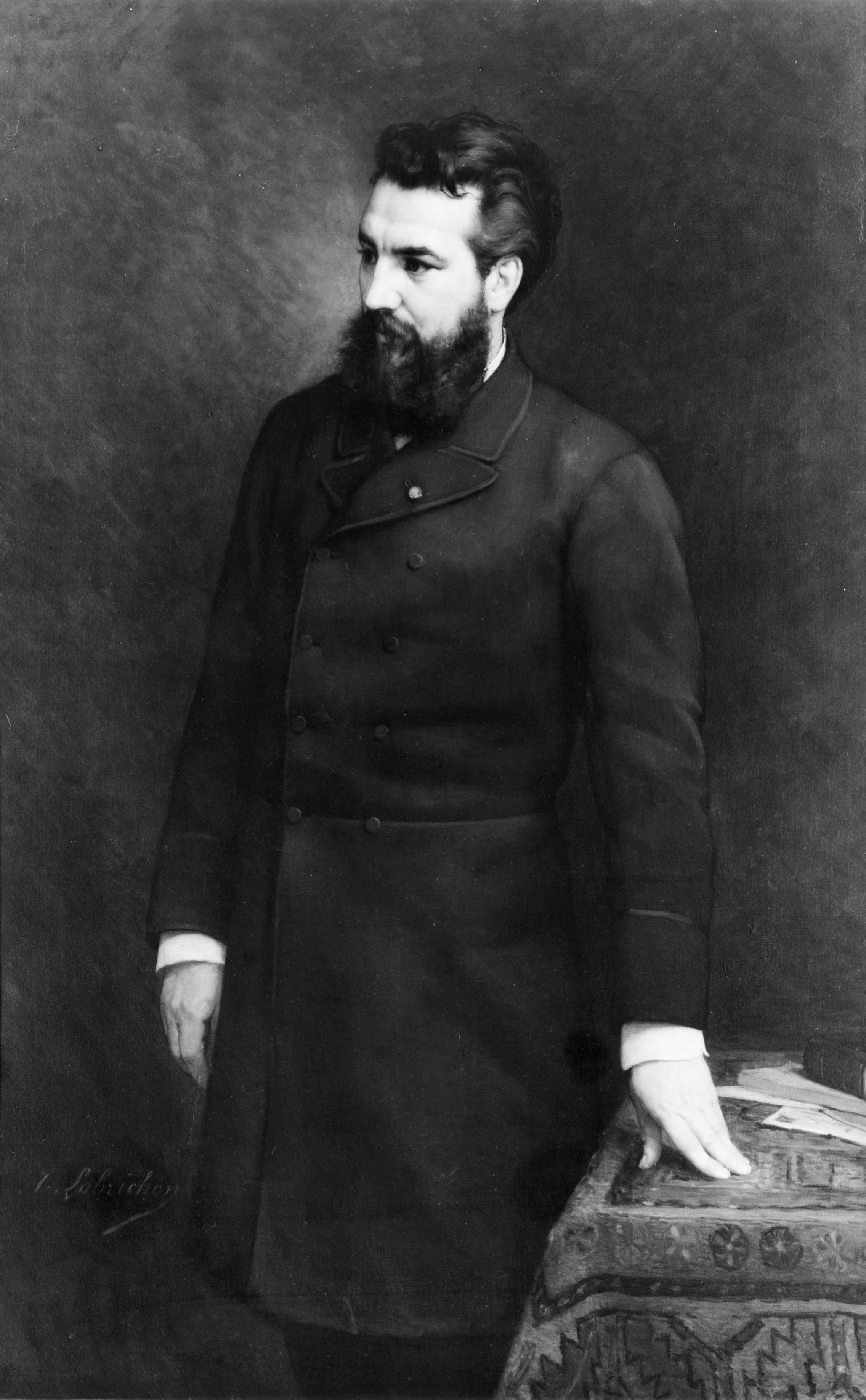 ألكسندر جراهام بيل .... مخترع التليفون Alexander_Graham_Bell,_three-quarter_length_portrait,_standing,_facing_left_-_3c04275r.jpg