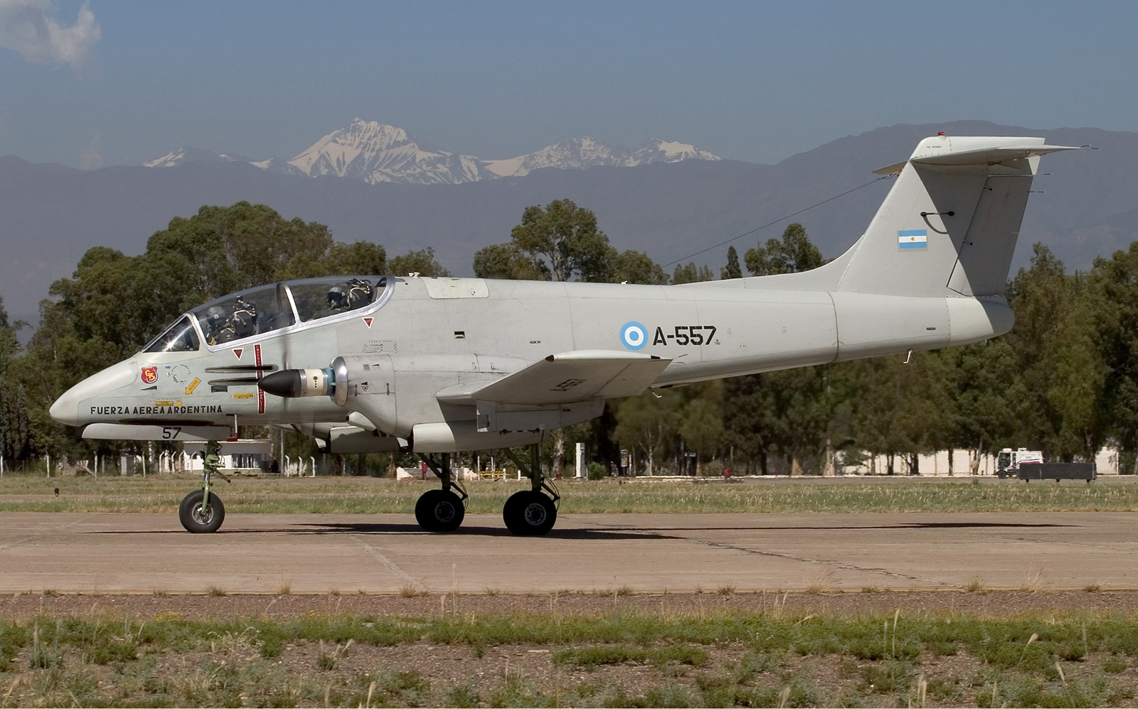 Archivo:Argentina Air Force FMA IA 58A Pucara Lofting 2.jpg