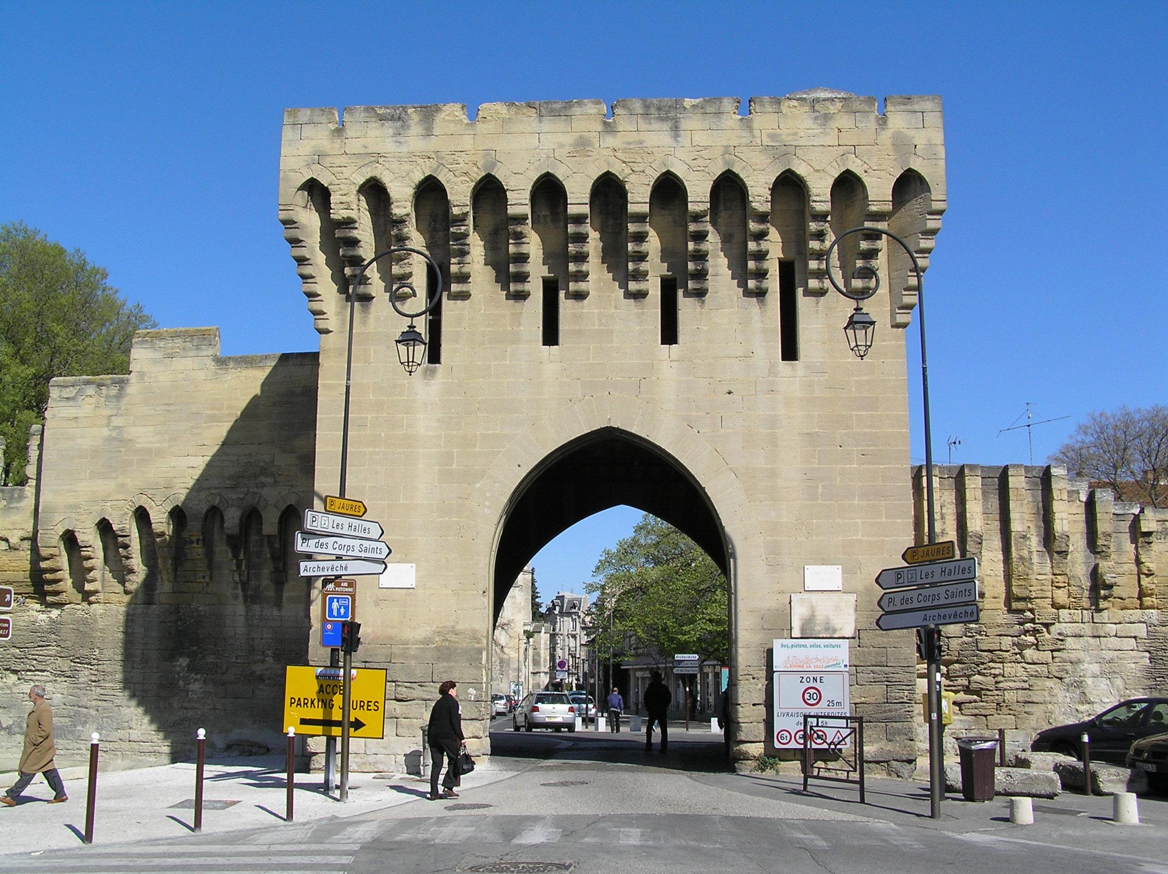 File avignon porte saint michel des remparts d 39 avignon for Porte unie st michel