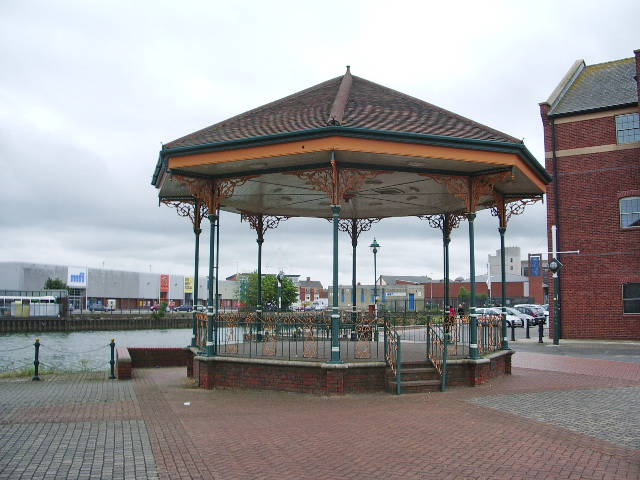 Bandstand - geograph.org.uk - 858969