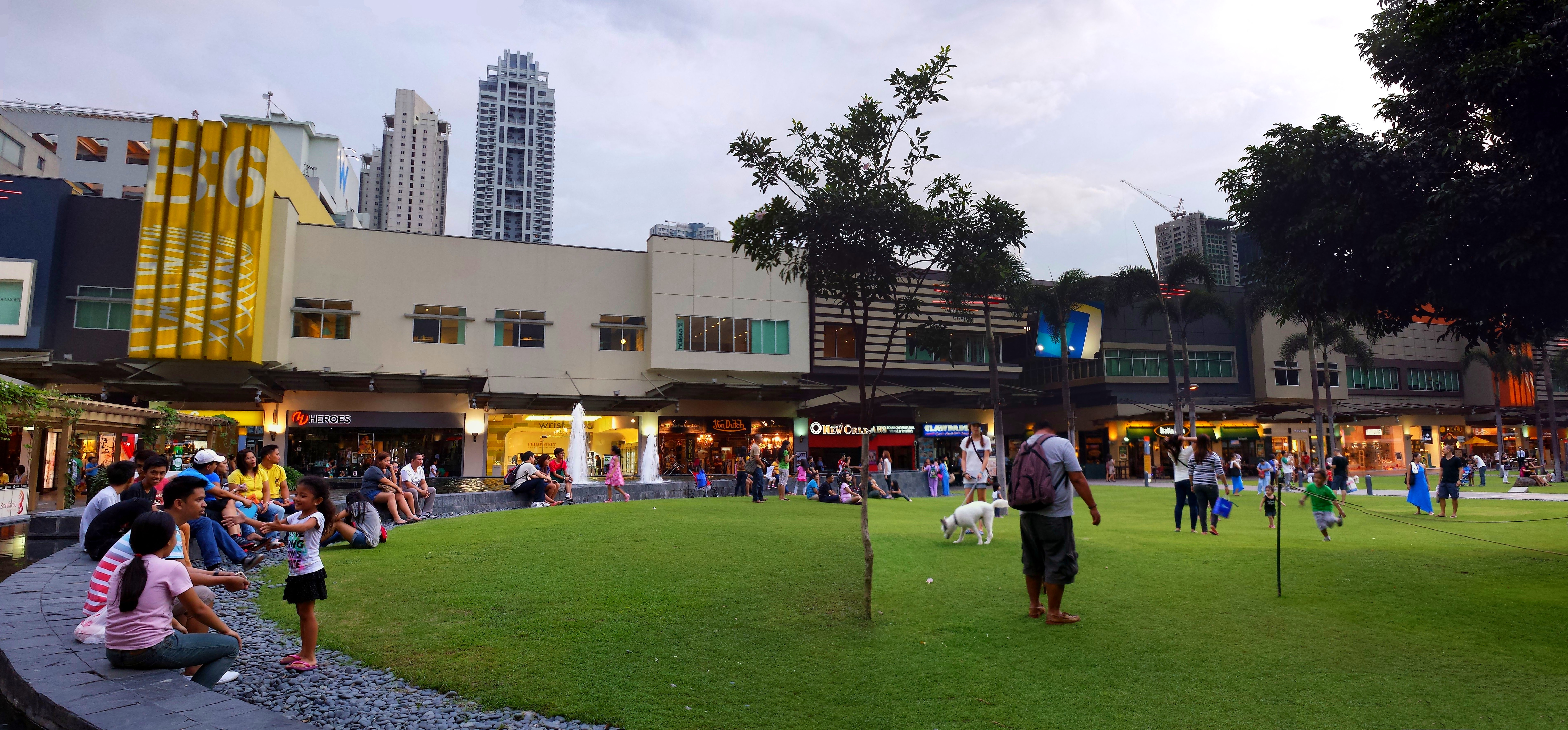 Bonifacio High Street, Taguig City: Address, Bonifacio High Street Reviews: 5/5
