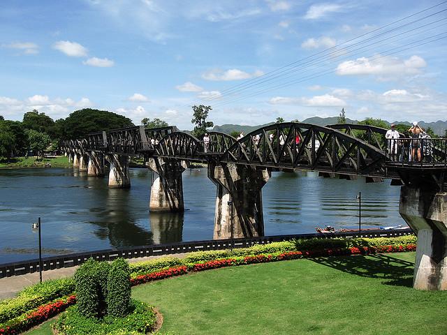 File:Bridge over River Kwai in Kanchanaburi, Thailand.jpg