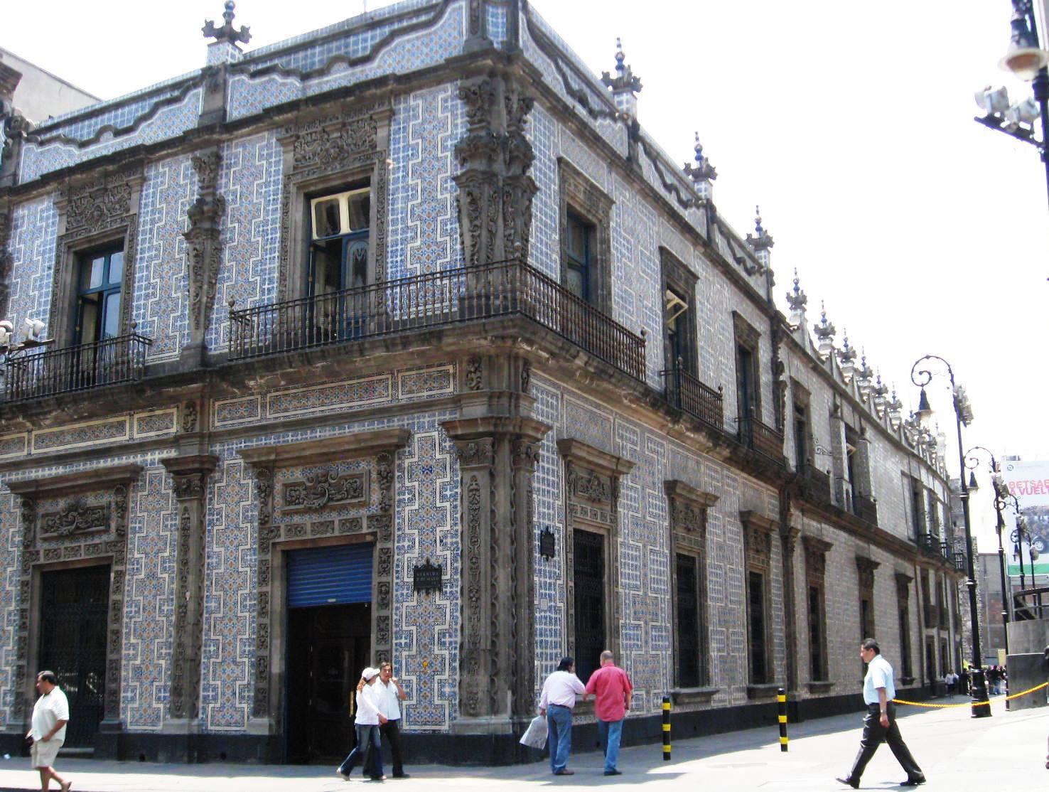 File casaazulejosdf jpg wikimedia commons for Casa de los azulejos historia