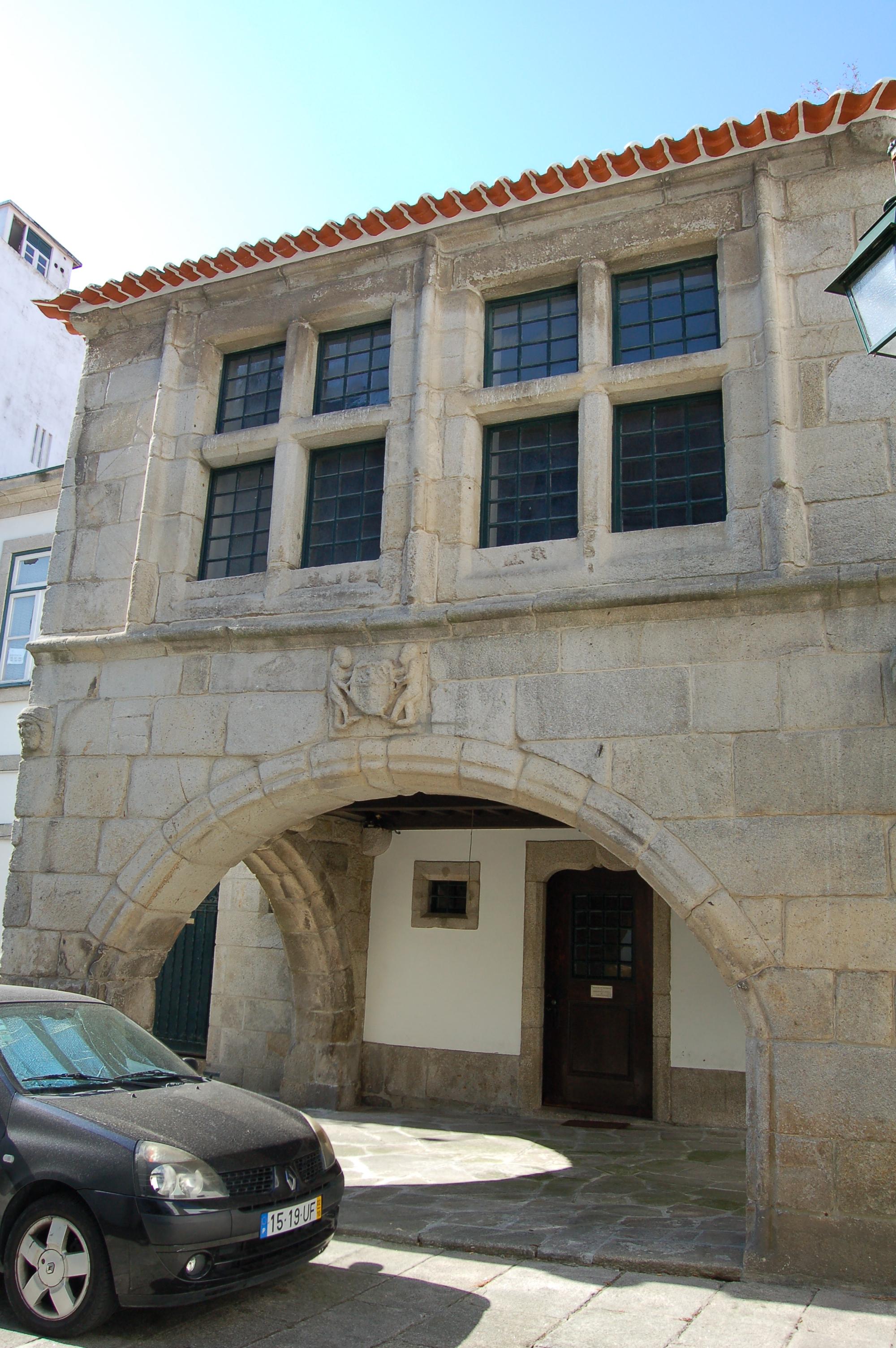 Filecasa De João Velho Ou Casa Dos Arcos Fachadajpg Wikimedia