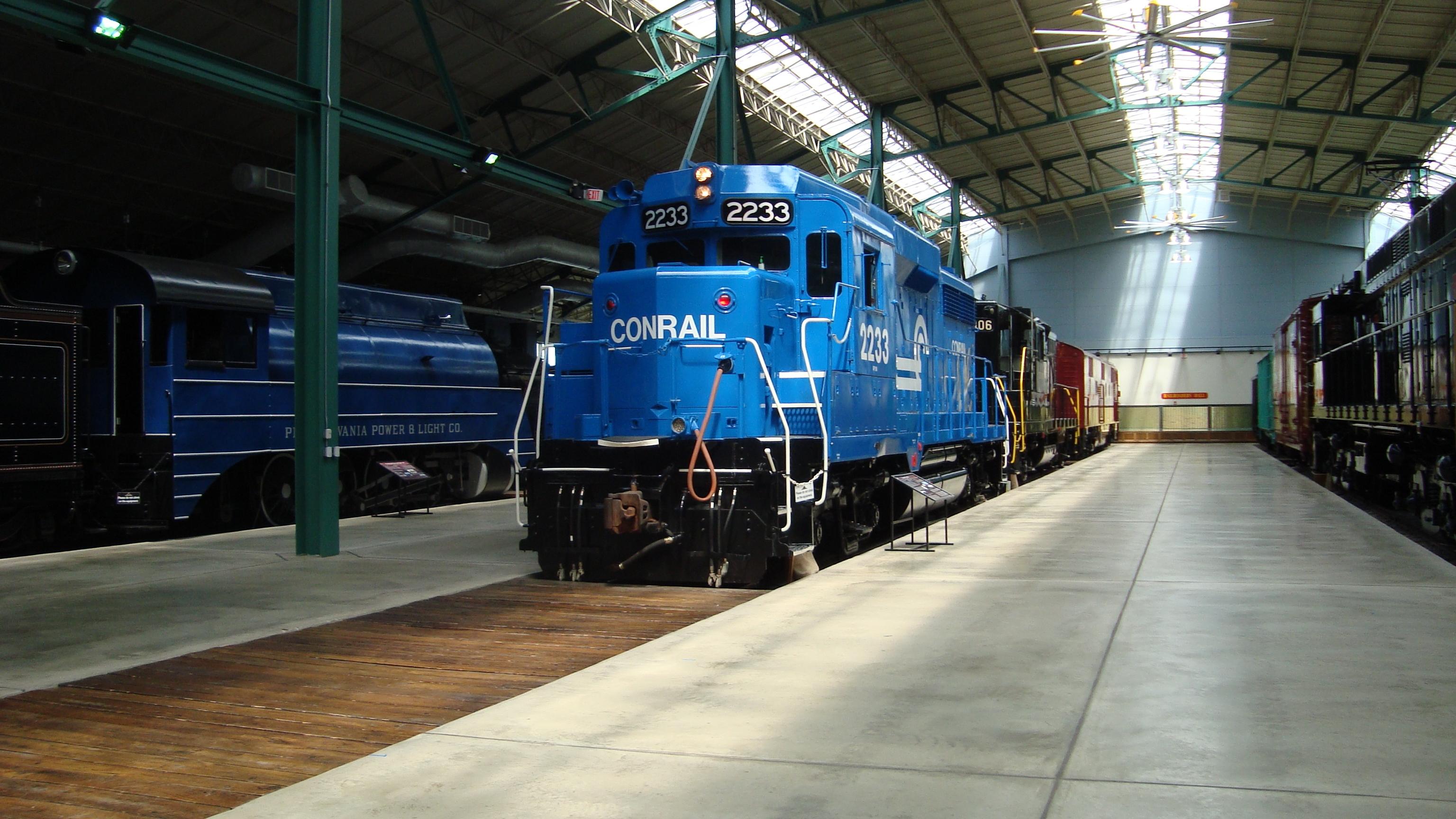 File:Conrail GP30 2233.JPG