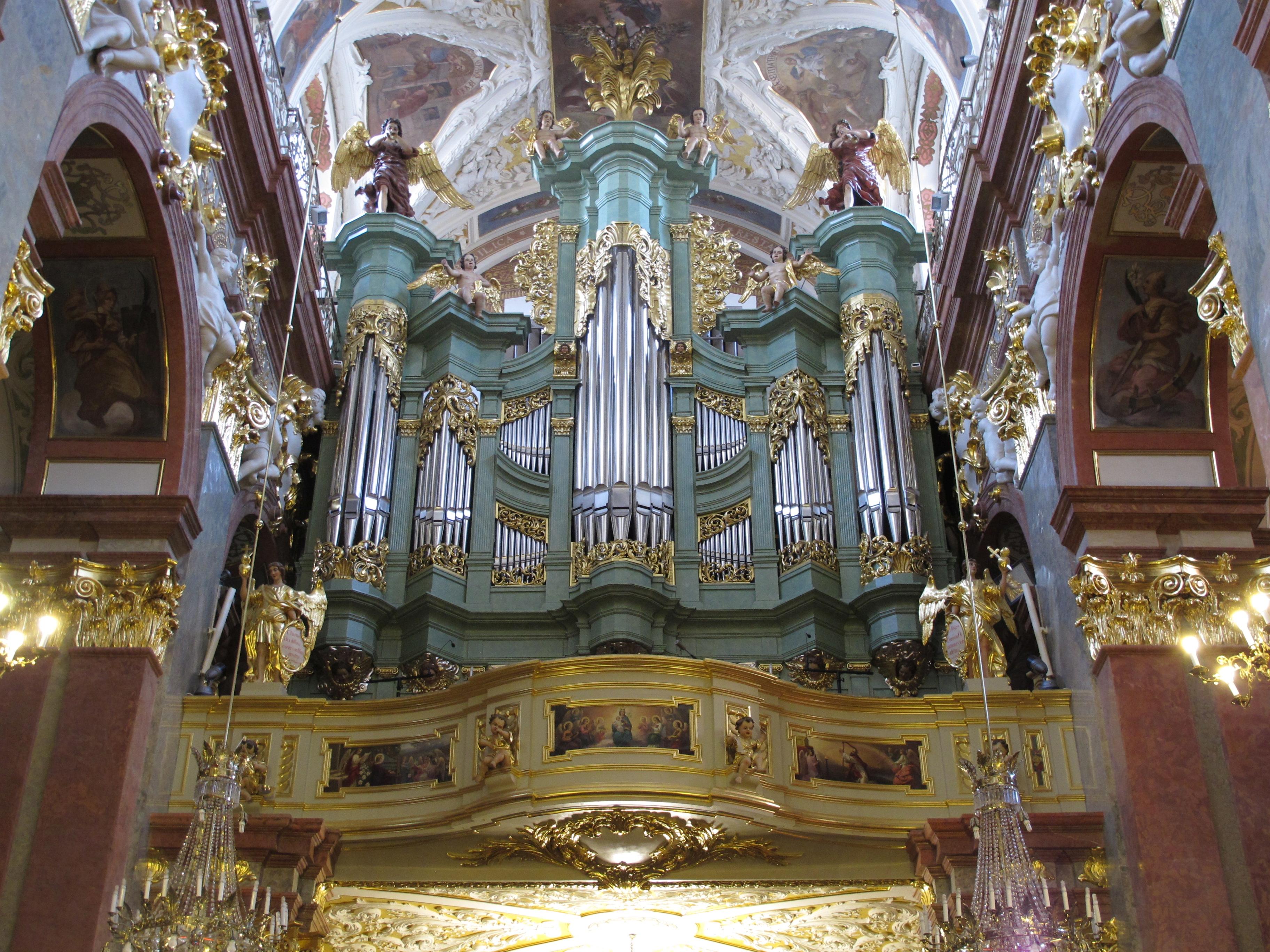 File:Czestochowa Jasna Gora bazylika 7.jpg - Wikimedia Commons