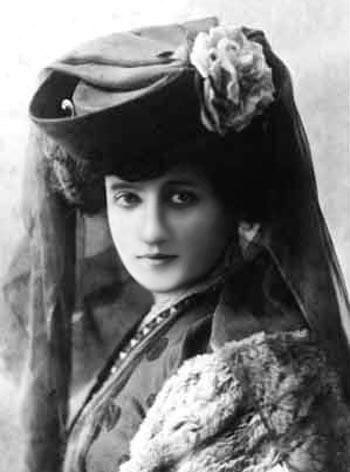 Elise Deroche 6