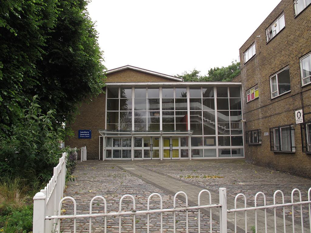 Entrance_to_Lansbury_Lawrence_School_%28geograph_4564618%29.jpg