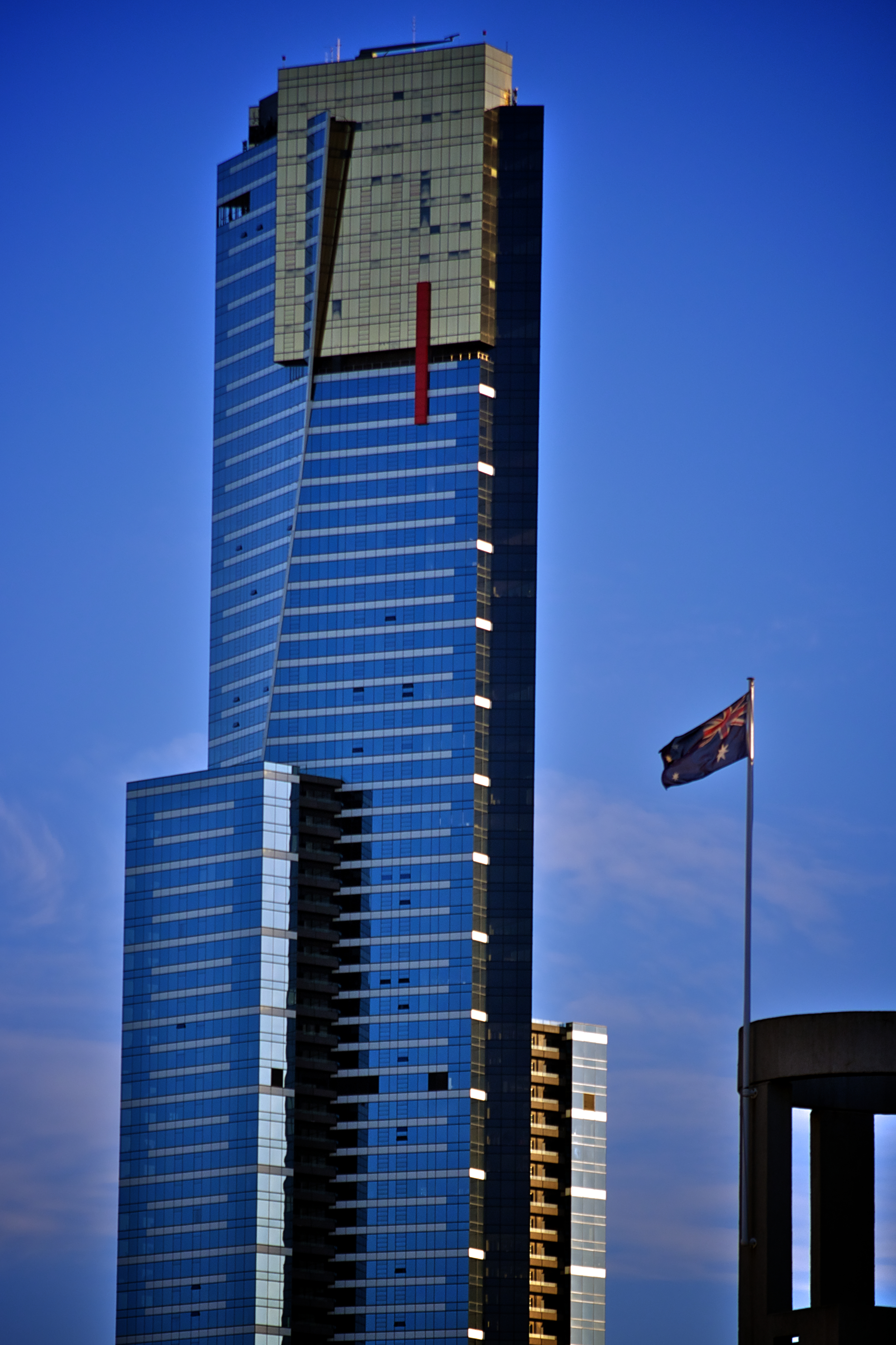 file eureka tower australian flag jpg wikimedia commons