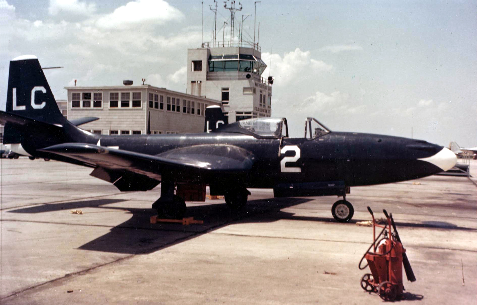 FH-1_Phantom_of_VMF-122_at_NAS_Memphis_1