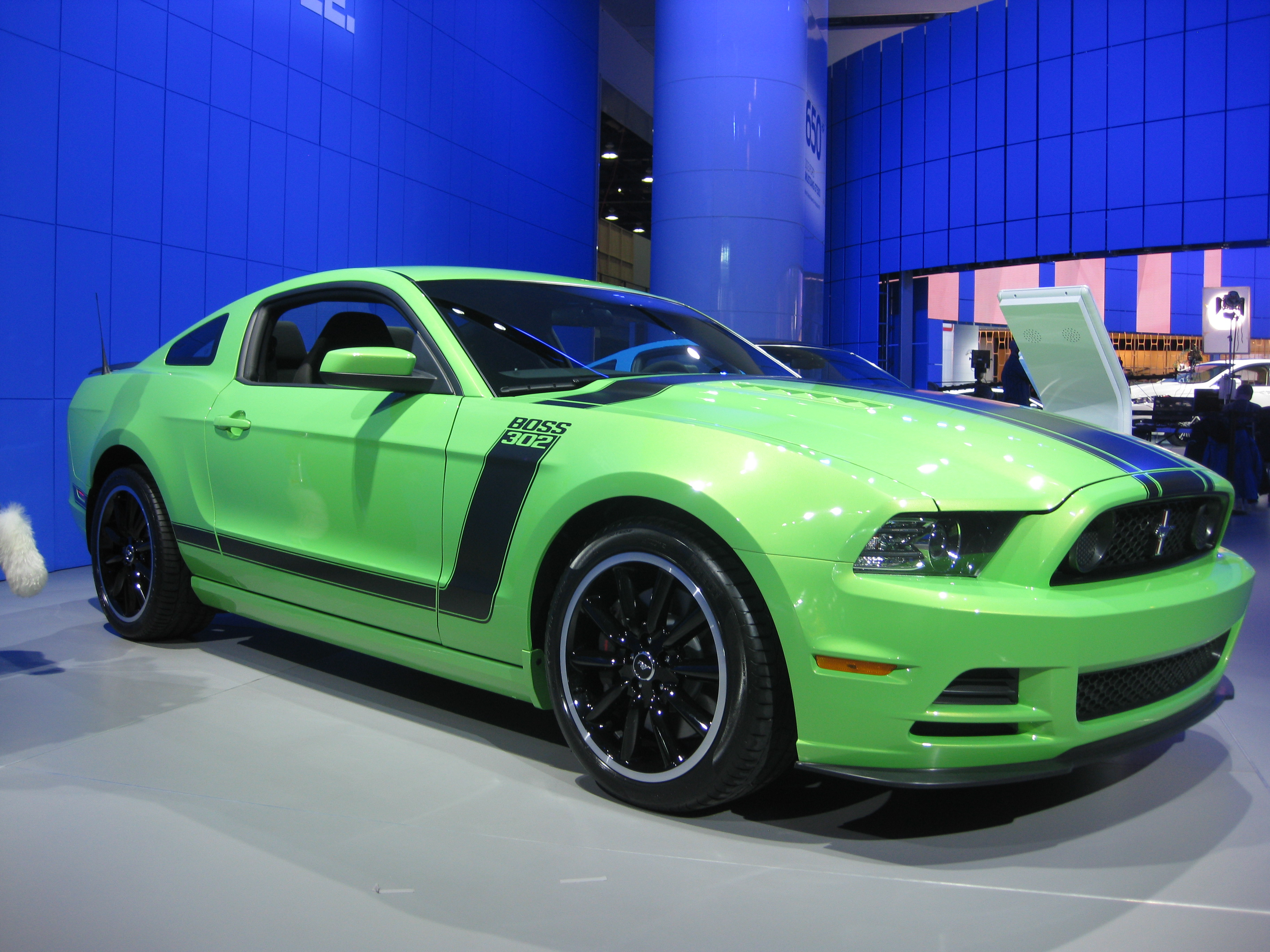 file ford mustang boss 302 at naias 2012 6683785103 jpg wikimedia commons. Black Bedroom Furniture Sets. Home Design Ideas