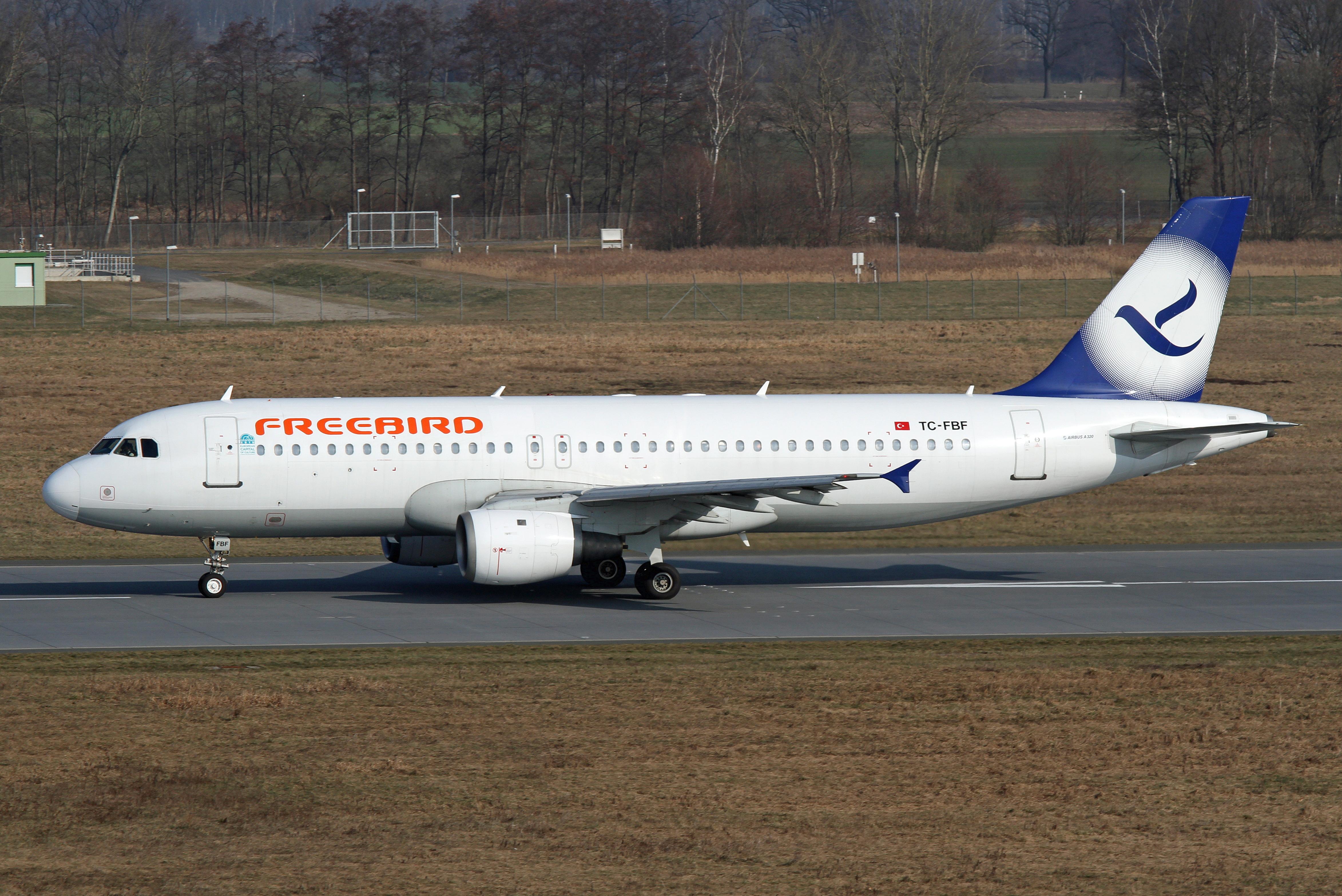 Dateifreebird Airlines Airbus A320 Tc Fbfjpg Wikipedia