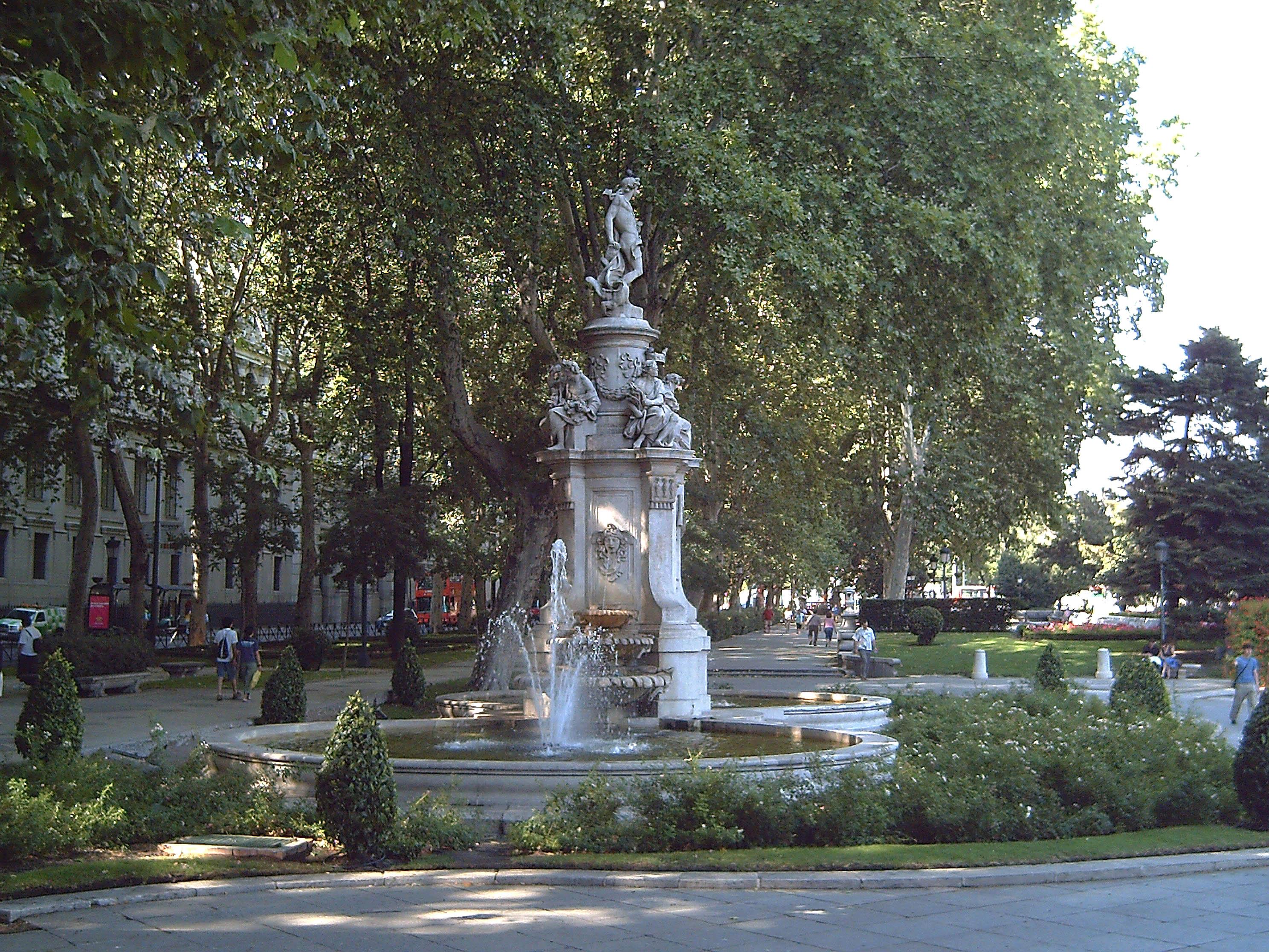 Descripción Fuente de Apolo (Madrid) 02.jpg