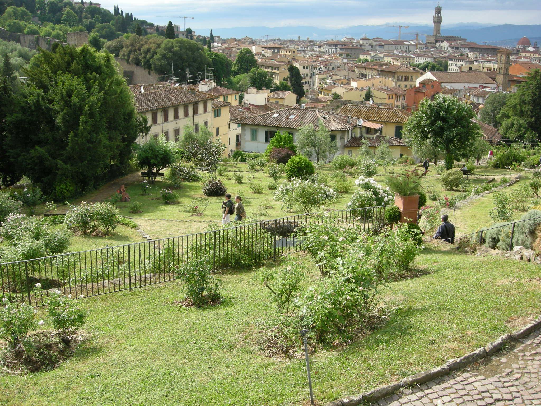 File giardino delle rose di firenze 07 jpg wikimedia commons - Giardino delle rose firenze ...