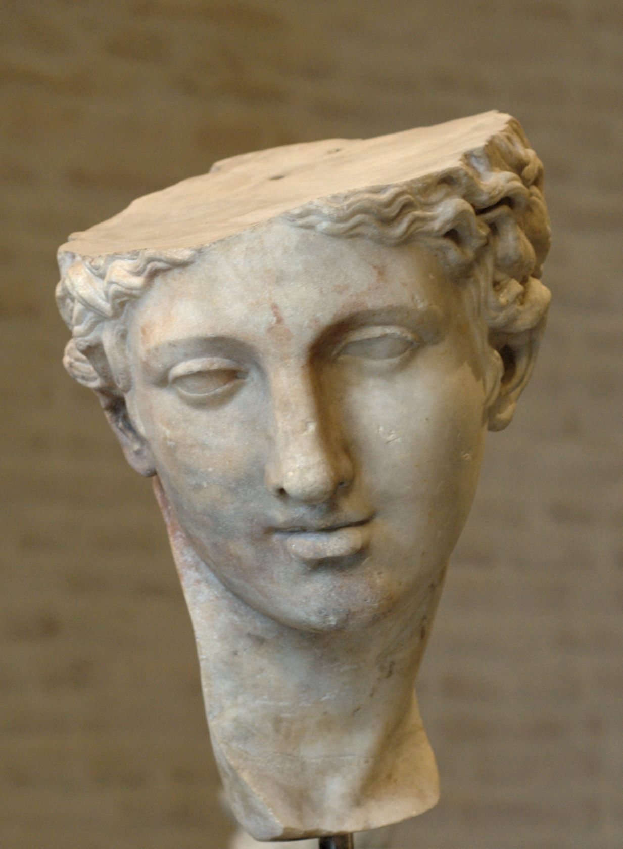 File:Head Aphrodite Glyptothek Munich.jpg