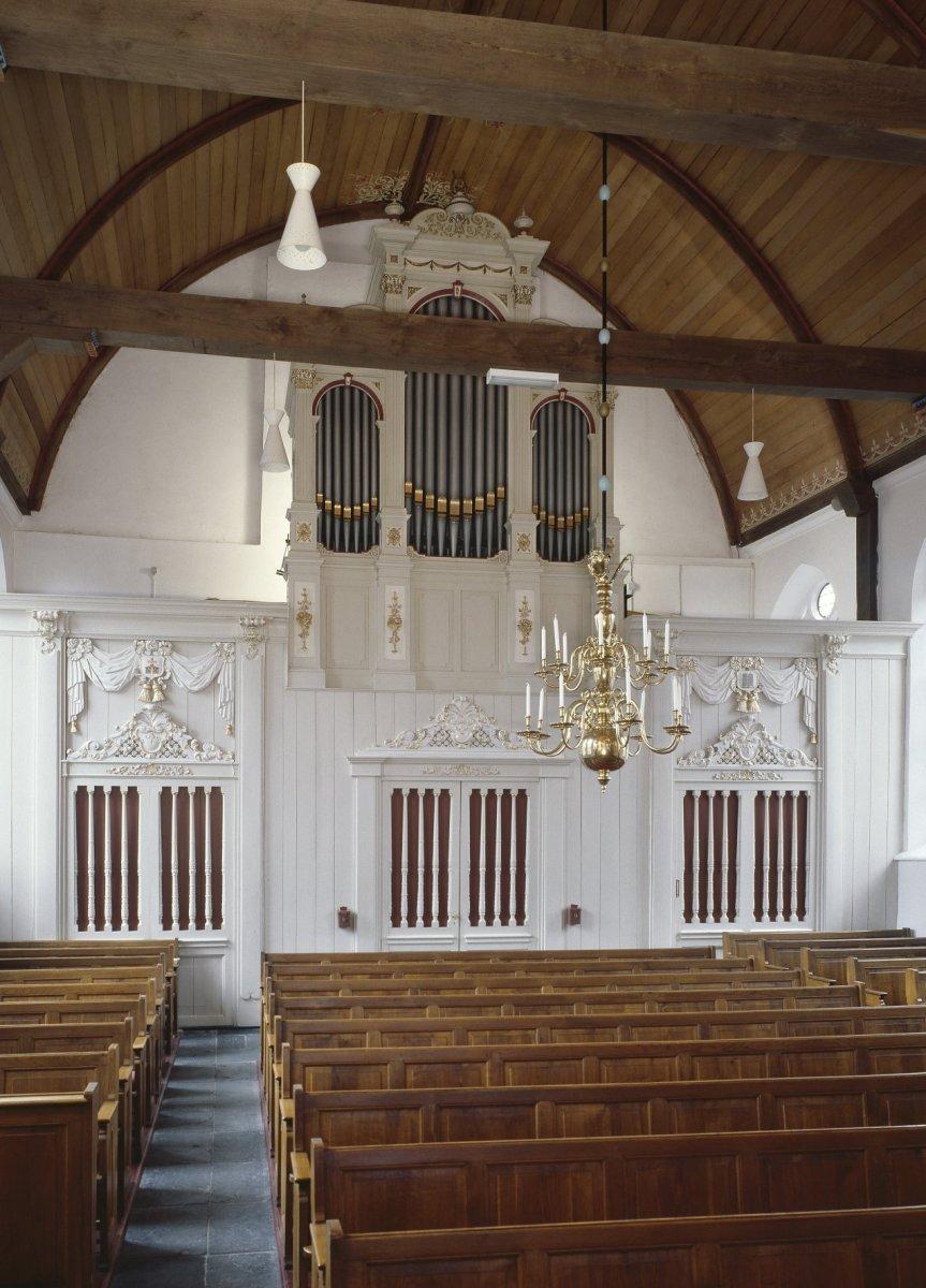 https://upload.wikimedia.org/wikipedia/commons/a/ab/Interieur%2C_aanzicht_orgel%2C_orgelnummer_788_-_Kockengen_-_20417367_-_RCE.jpg