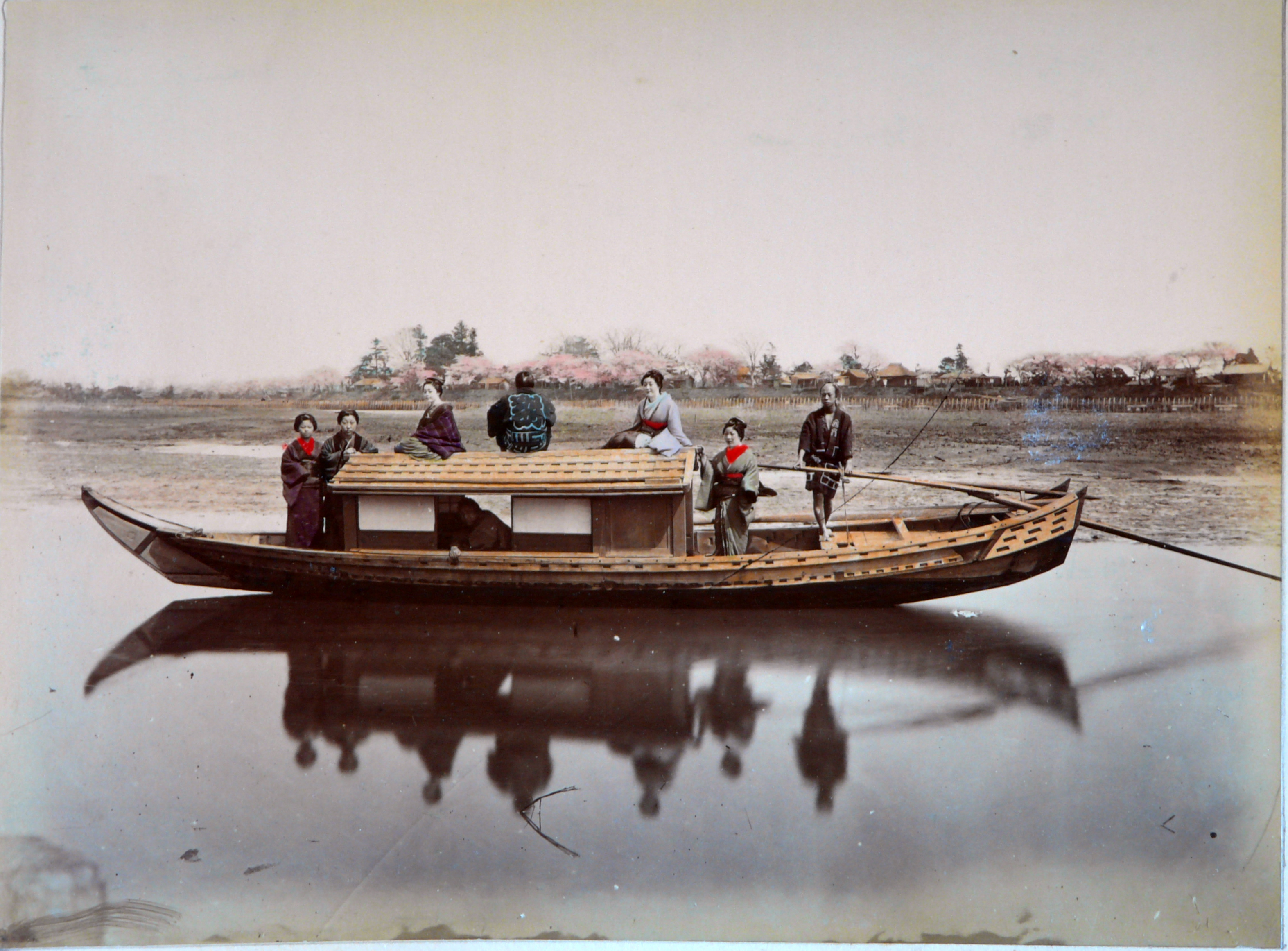 Dont know asian river boat boat madina with
