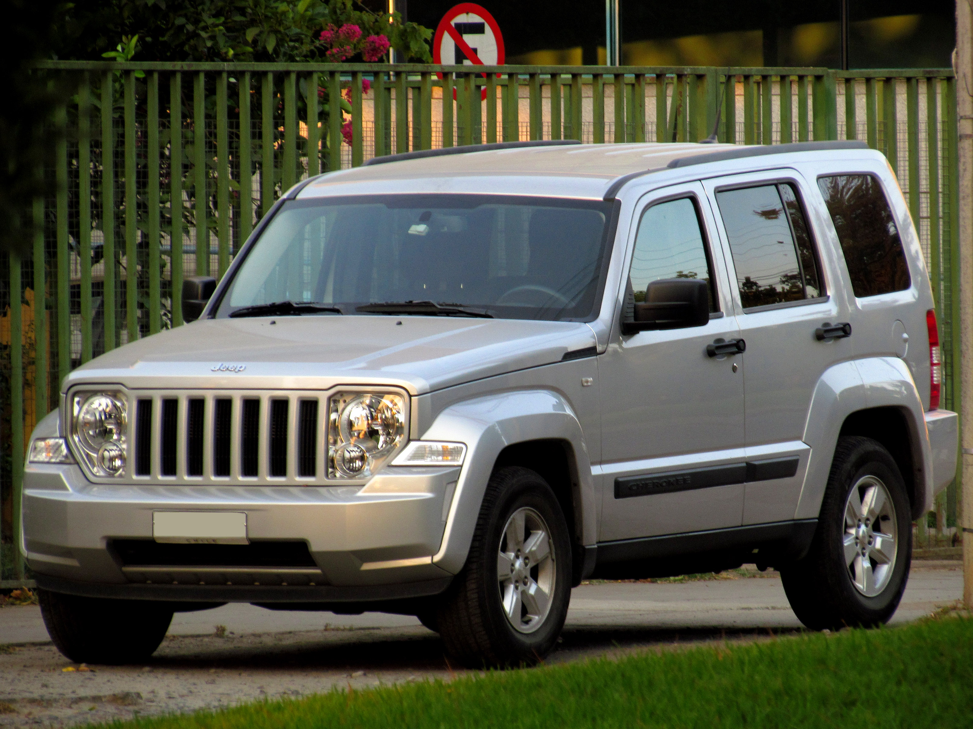 File Jeep Cherokee Liberty 2 8 CRD 2012